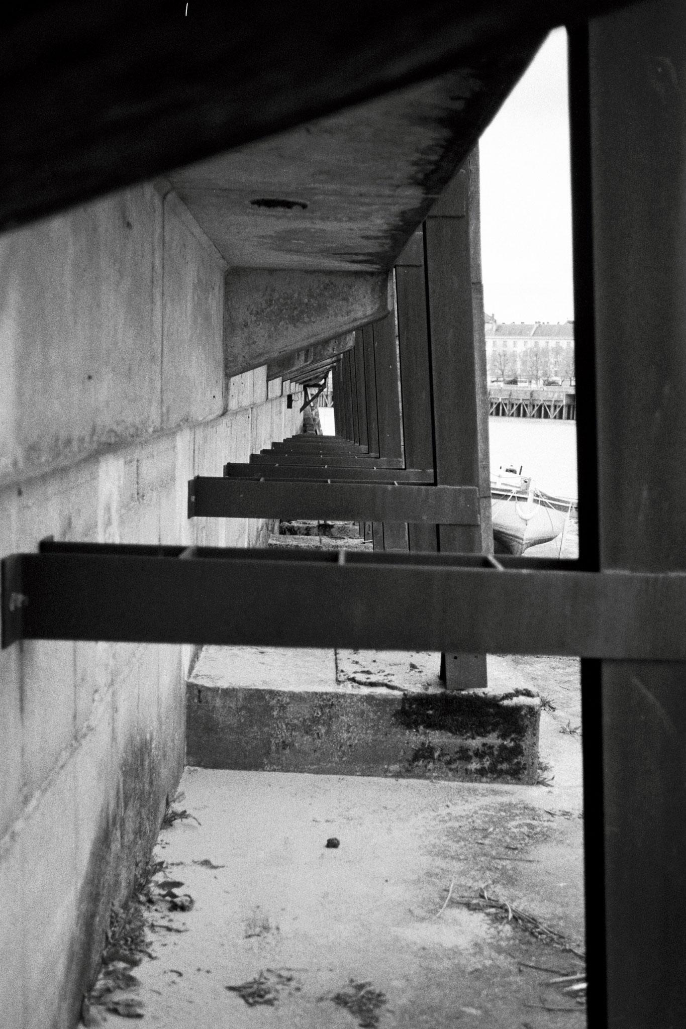 """One by one"" - Île de Nantes (2021). Street Candy MKN 100 ASA. © Clémence Rougetet"