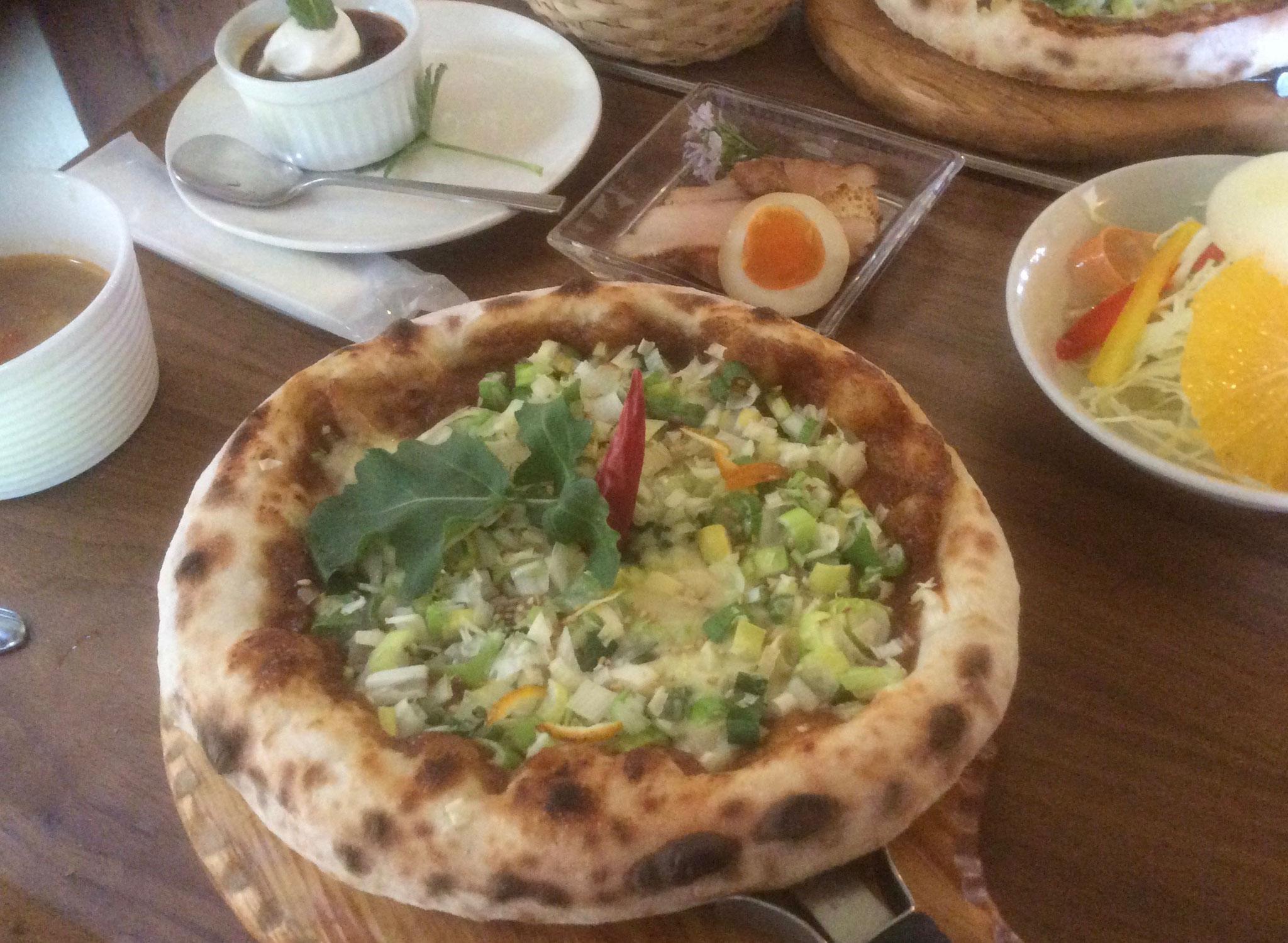 日替わりランチ サラダ、前菜、スープ、デザート付き
