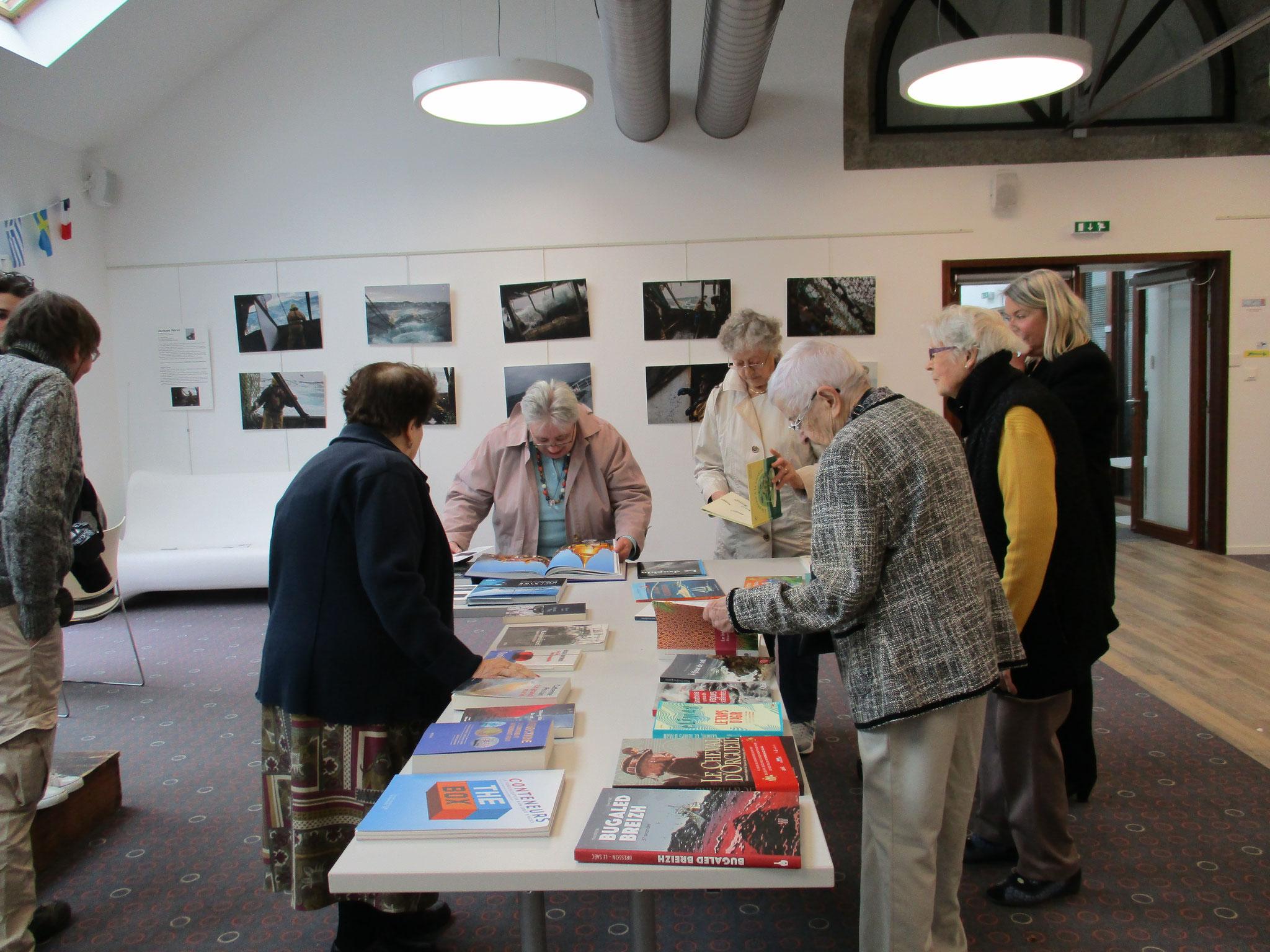 Vendredi, avant l'ouverture, visite des seniors au Pôle nautique ©C. Bombeeck