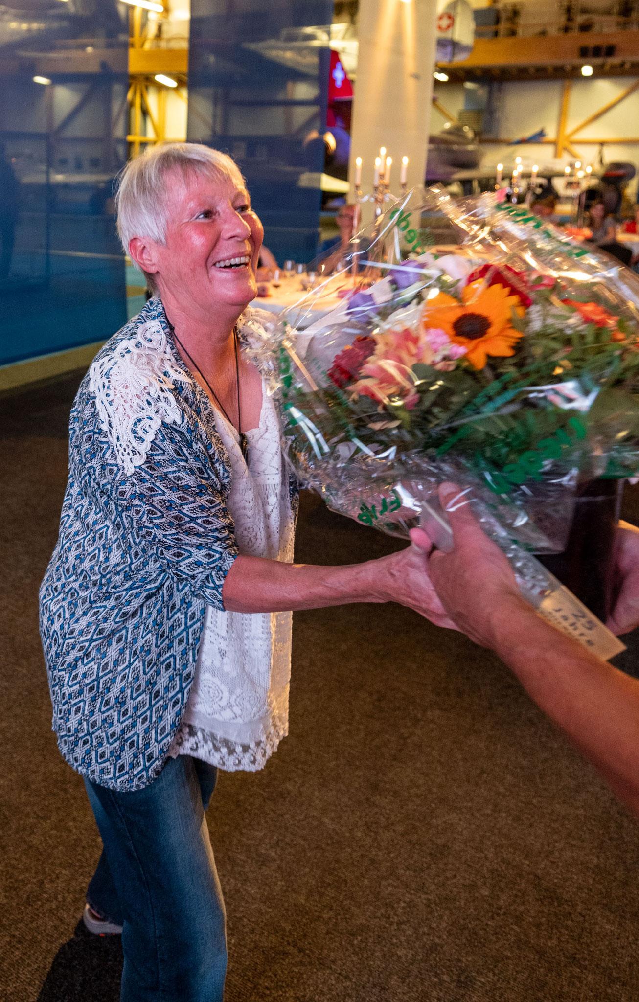 Rita Walder - wird Ehrenmitglied aufgrund 25 Jahre TG HVorstand Hütten