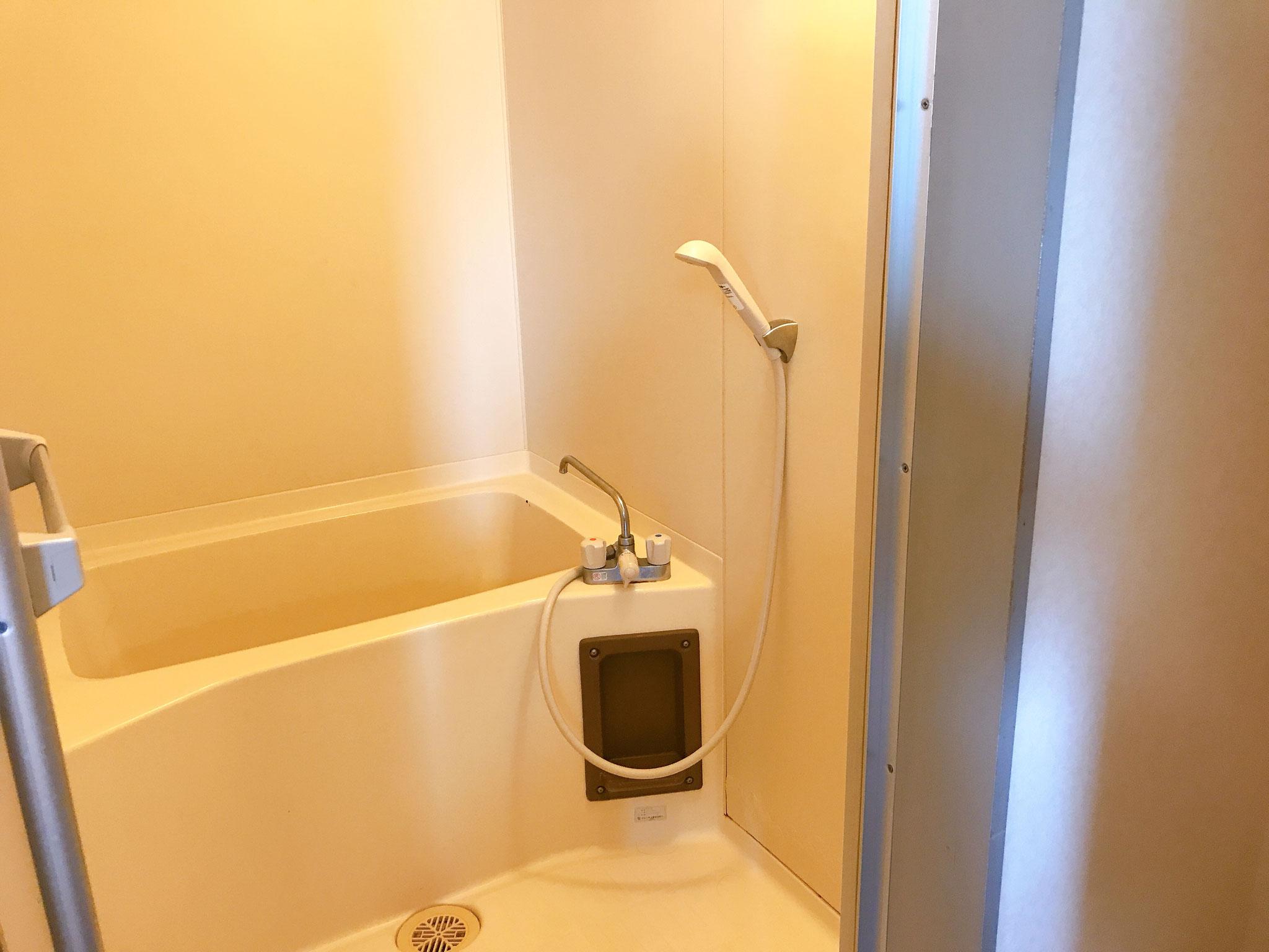 シャワーはついています。