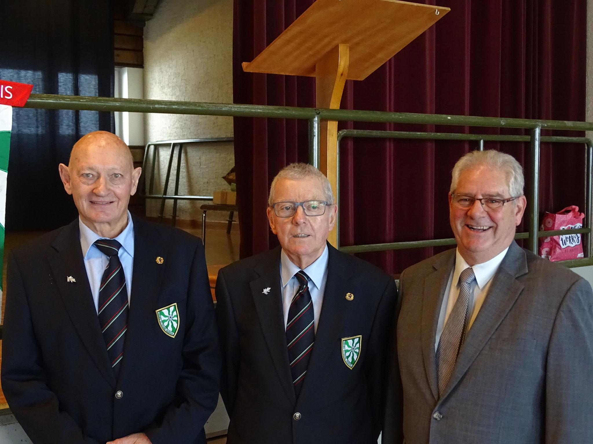 Michel Grin Membre d'honneur - Francis ROSSI Président - Daniel GRAF Nouveau membre