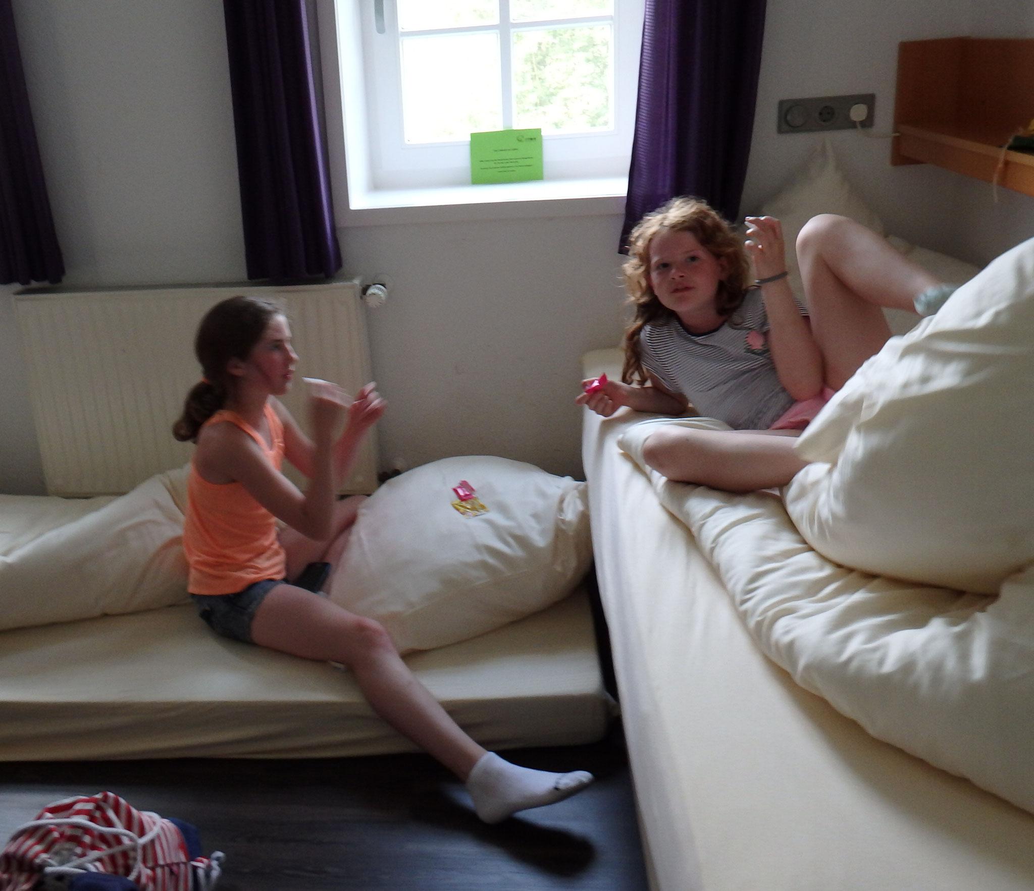 Zimmer 2 (Lina, Marielle und Sinem)
