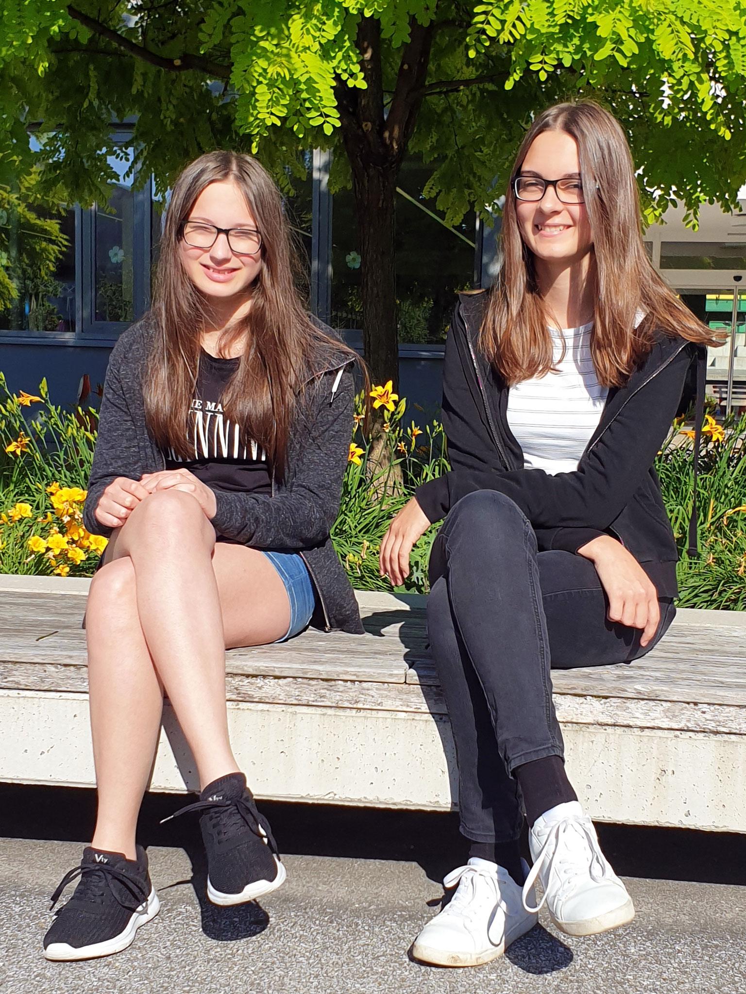 Anja und Isabella konnten bereits am Dienstag der letzen Schulwoche den ECDL abschließen.