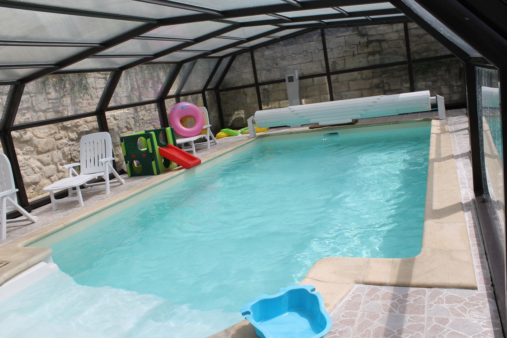 Nouveau, volet roulant sur la piscine..