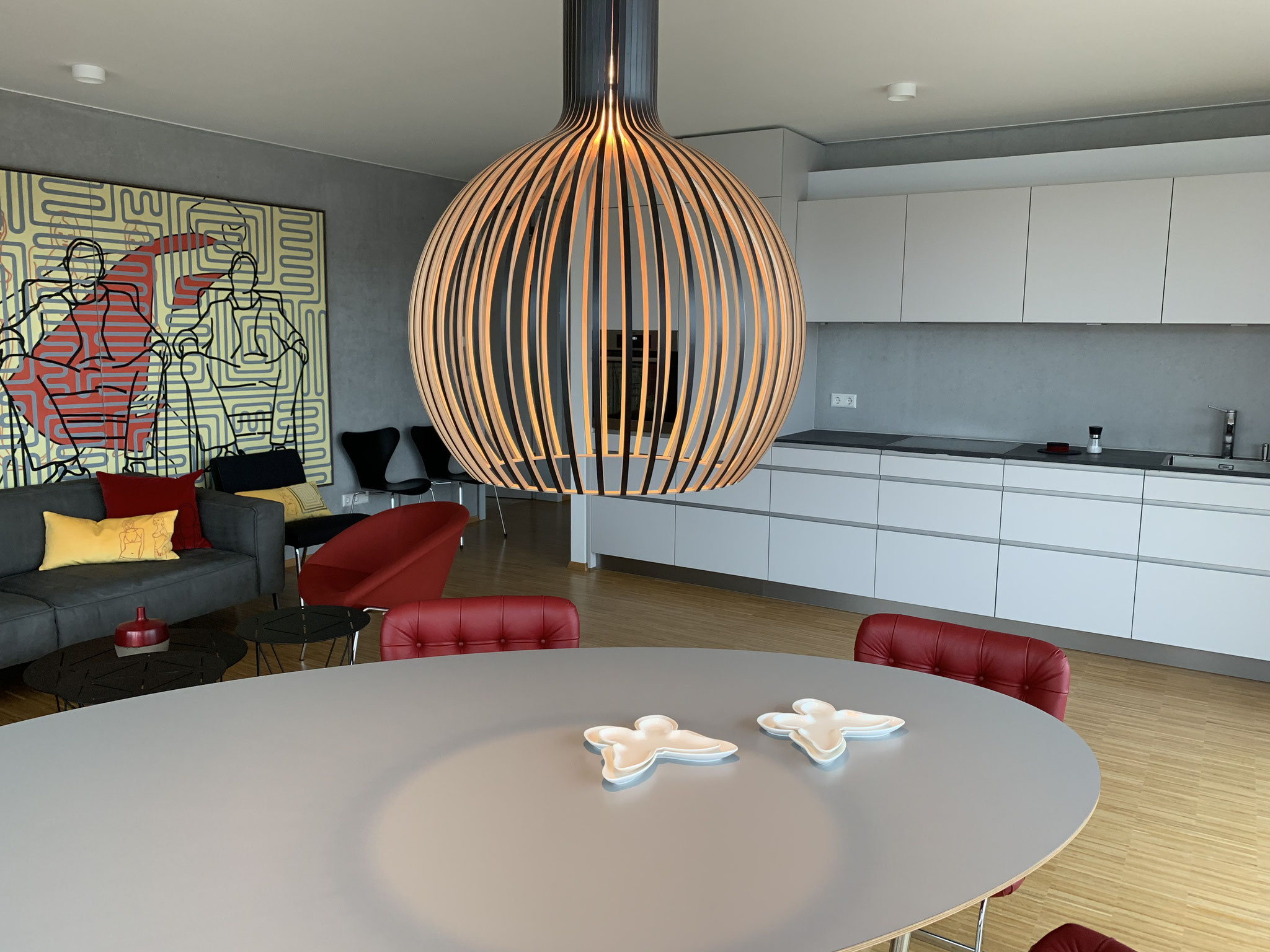 Wohn-, Essbereich mit Küchenzeile