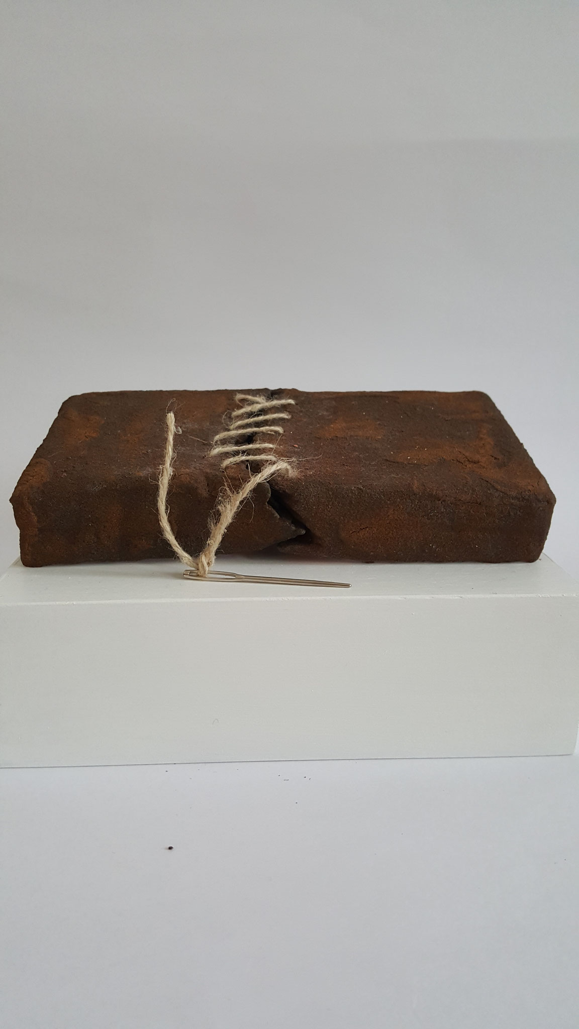 Wounds heal, 2018, 2,5 x 19 x 10 cm, Object