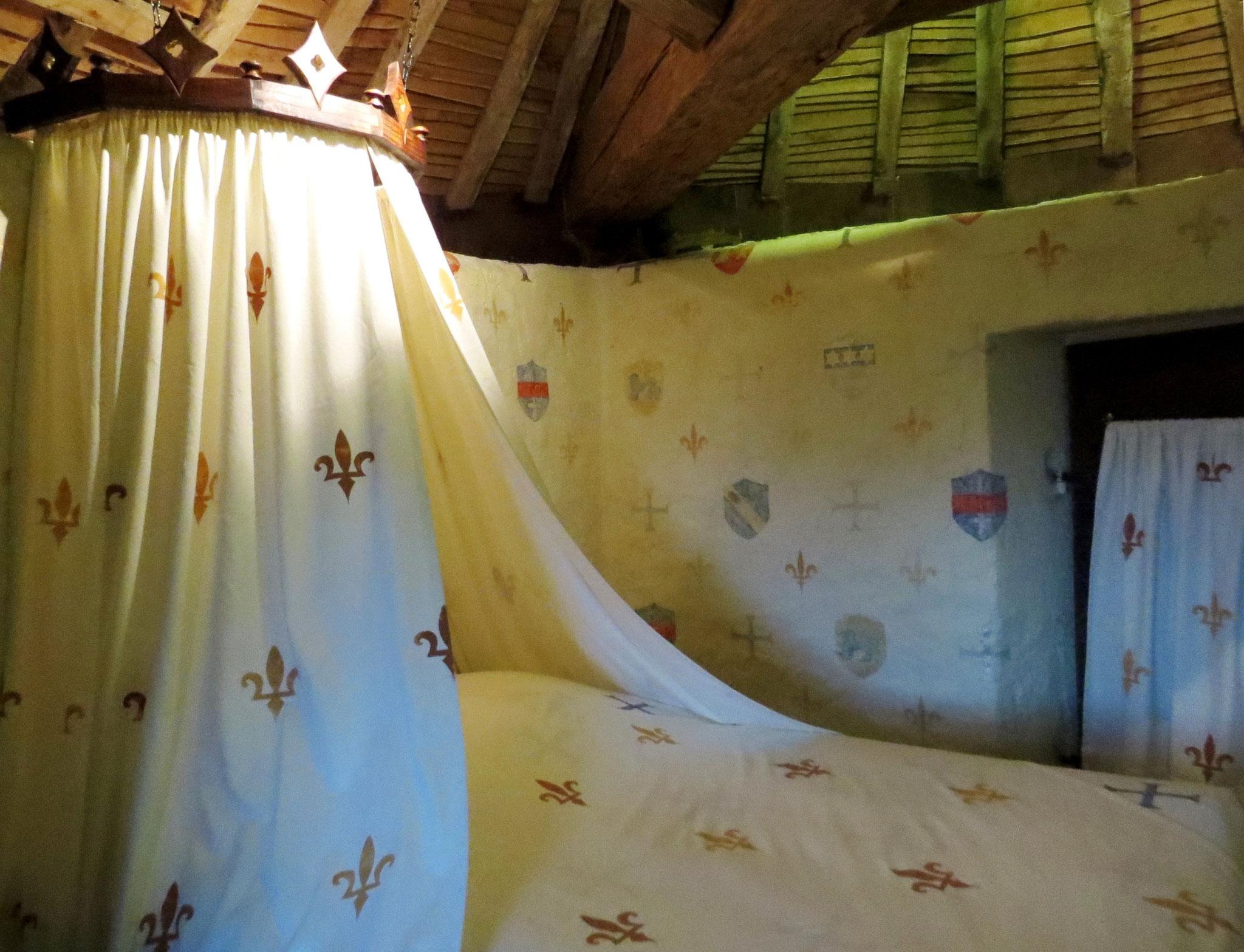 Chambre insolite La Tour du Guet au chateau-fort de Tennessus