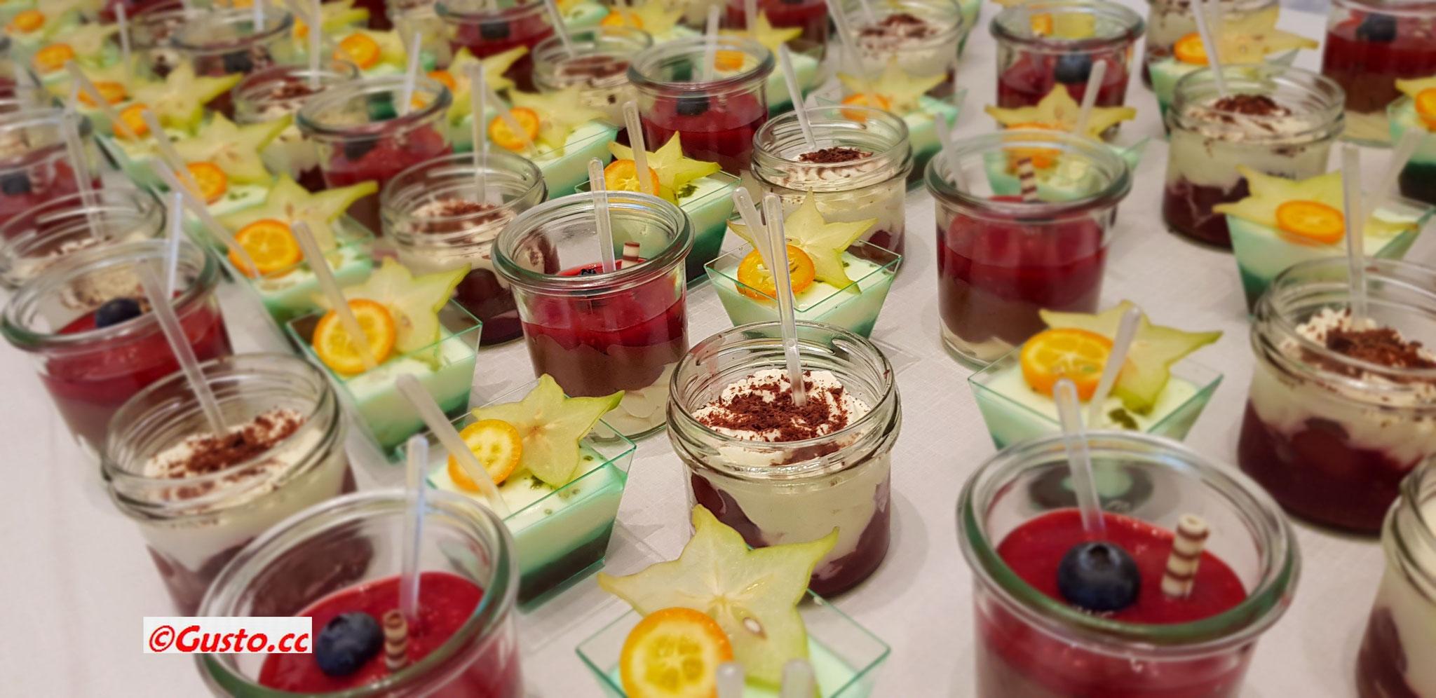 Dessertvariationen, schick im Gläschen angerichtet