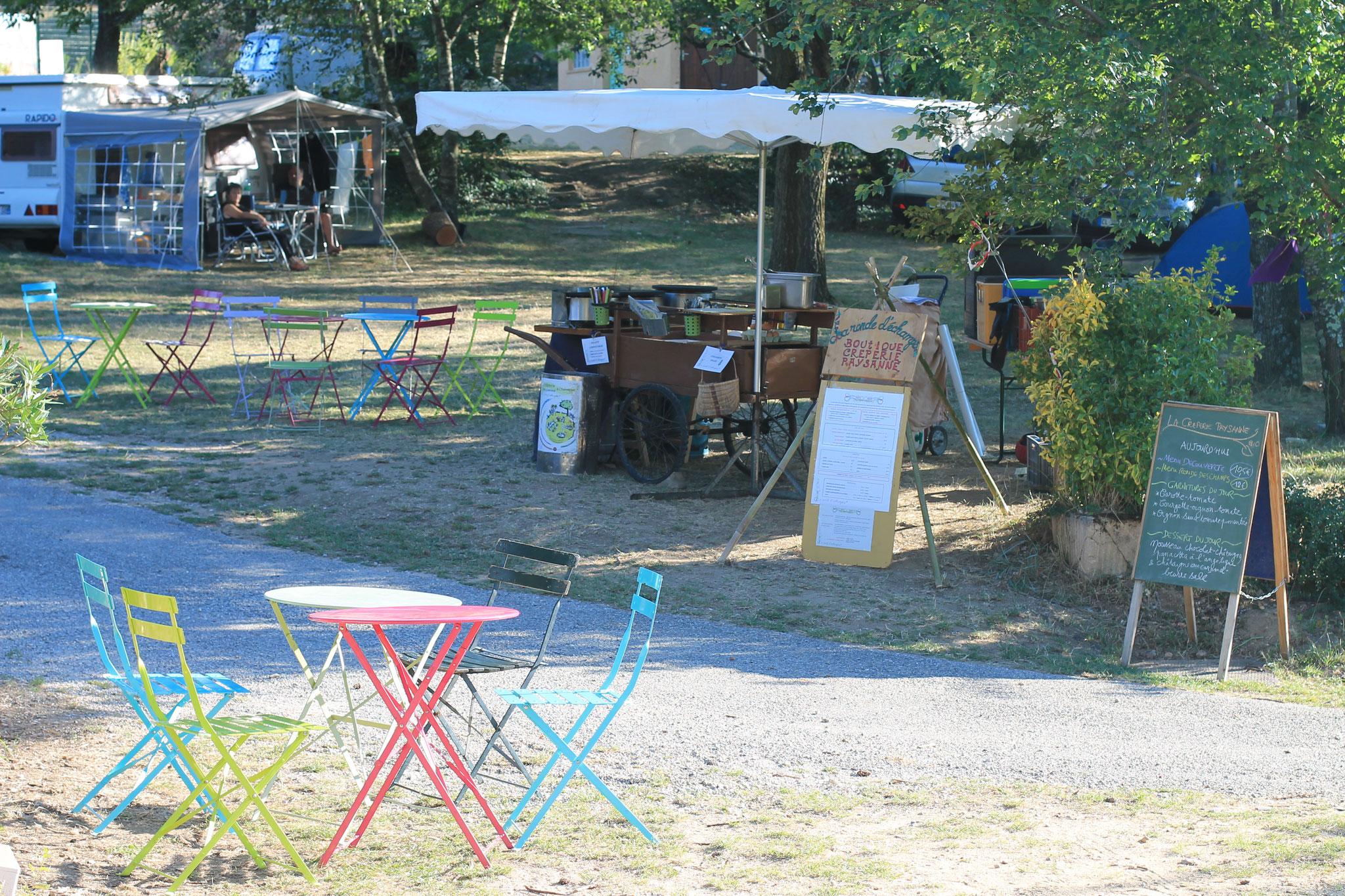 La crêperie s'installe au camping de St Michel-de-Chabrillanoux
