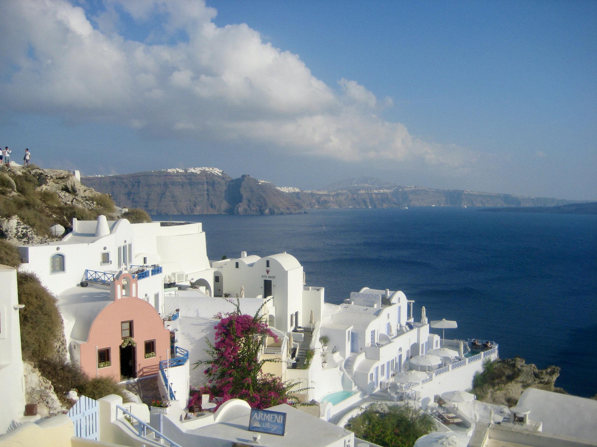 White on white on blue, Santorini