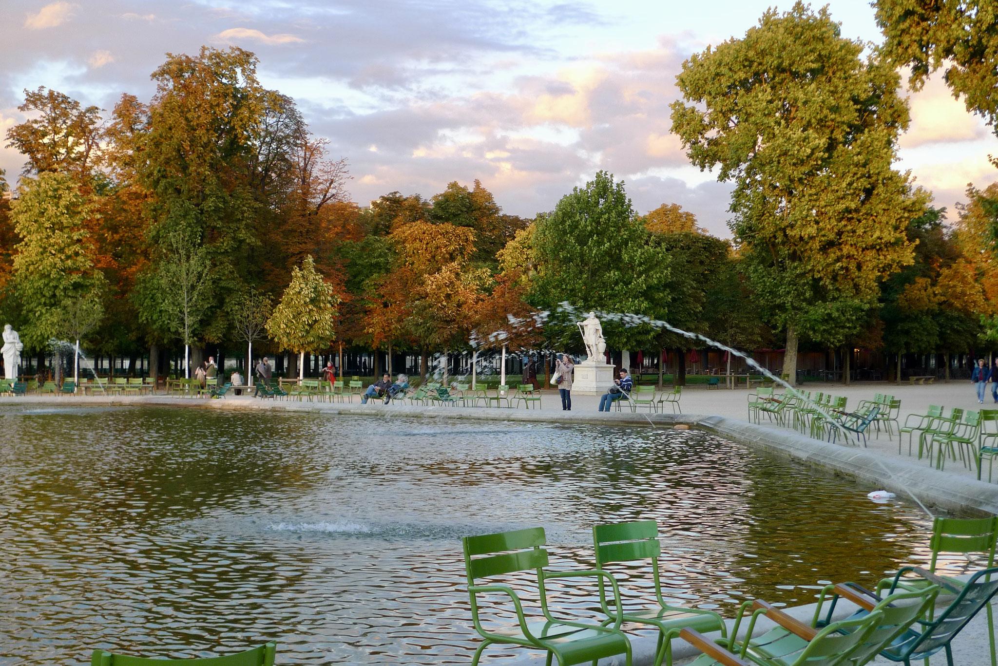 Autumn colours, Jardin des Tuileries, Paris