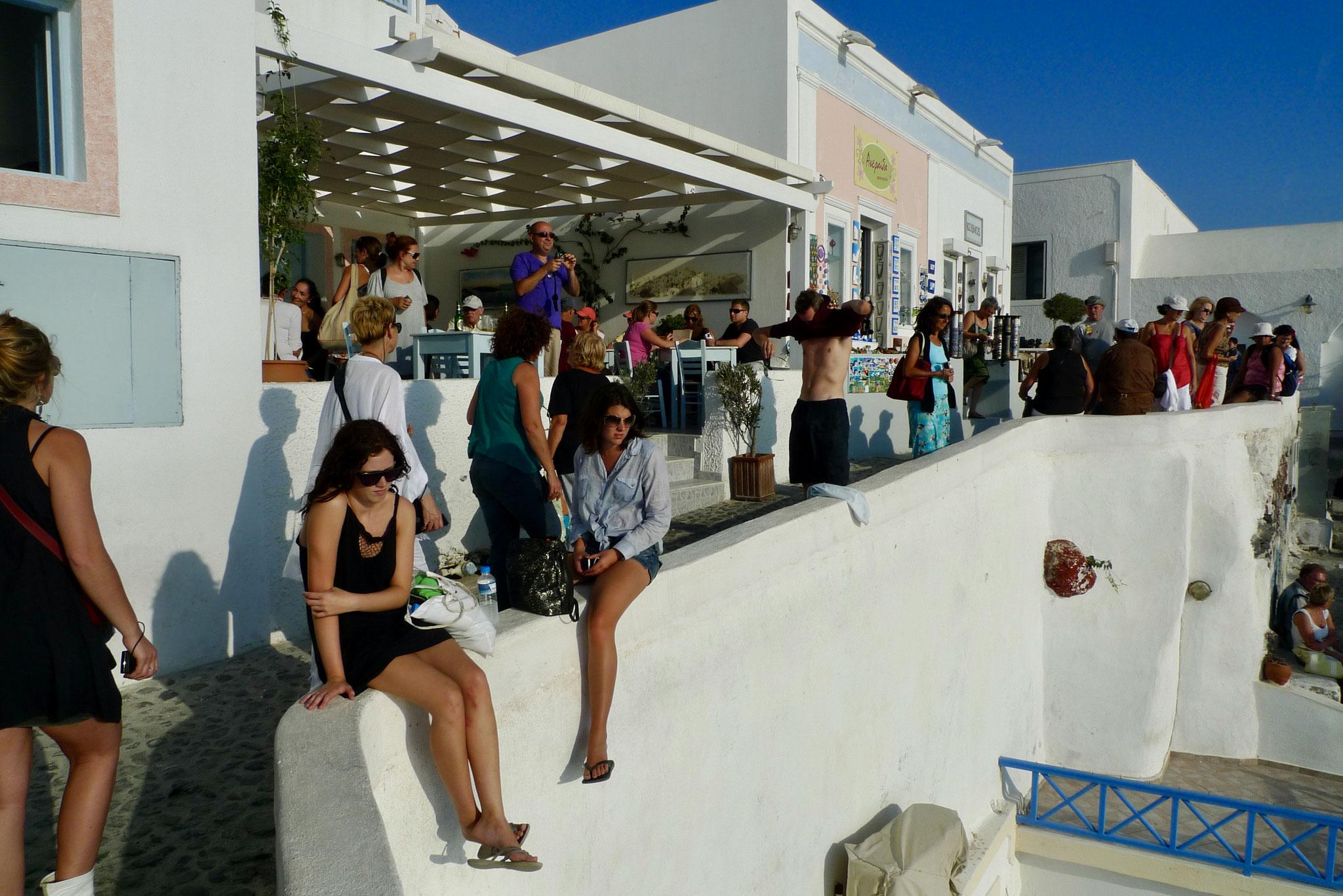 Happy Hour, Santorini