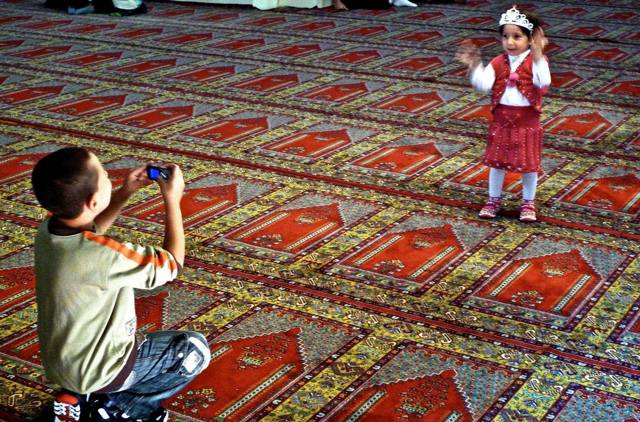 Happy snap, Green Mosque, Iznik