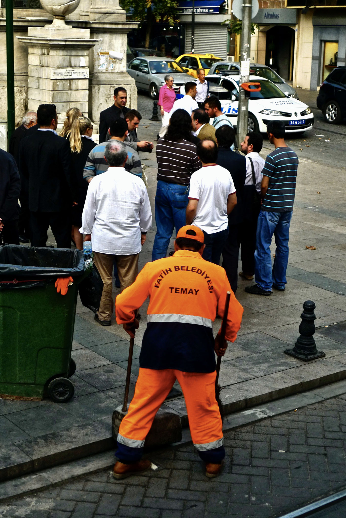 Street sweeper and hustler, Istanbul
