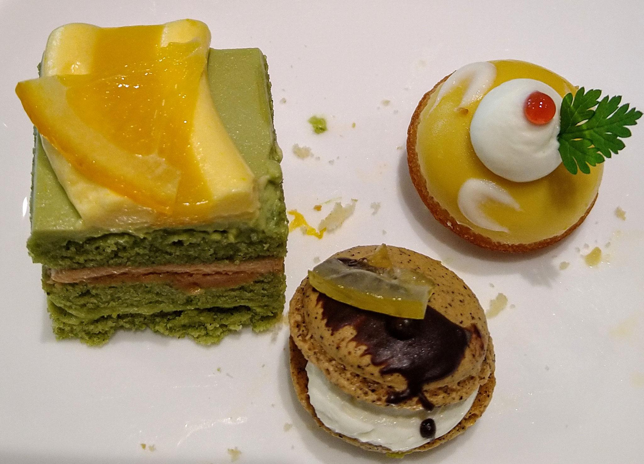 レモンマドレーヌ・紅茶のマカロン・抹茶とオレンジのマルジョレーヌ