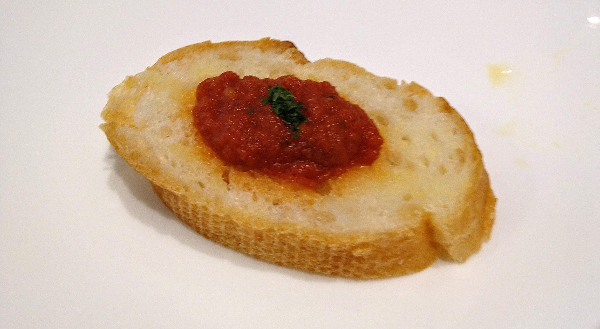 フレッシュトマトのブルケッタ