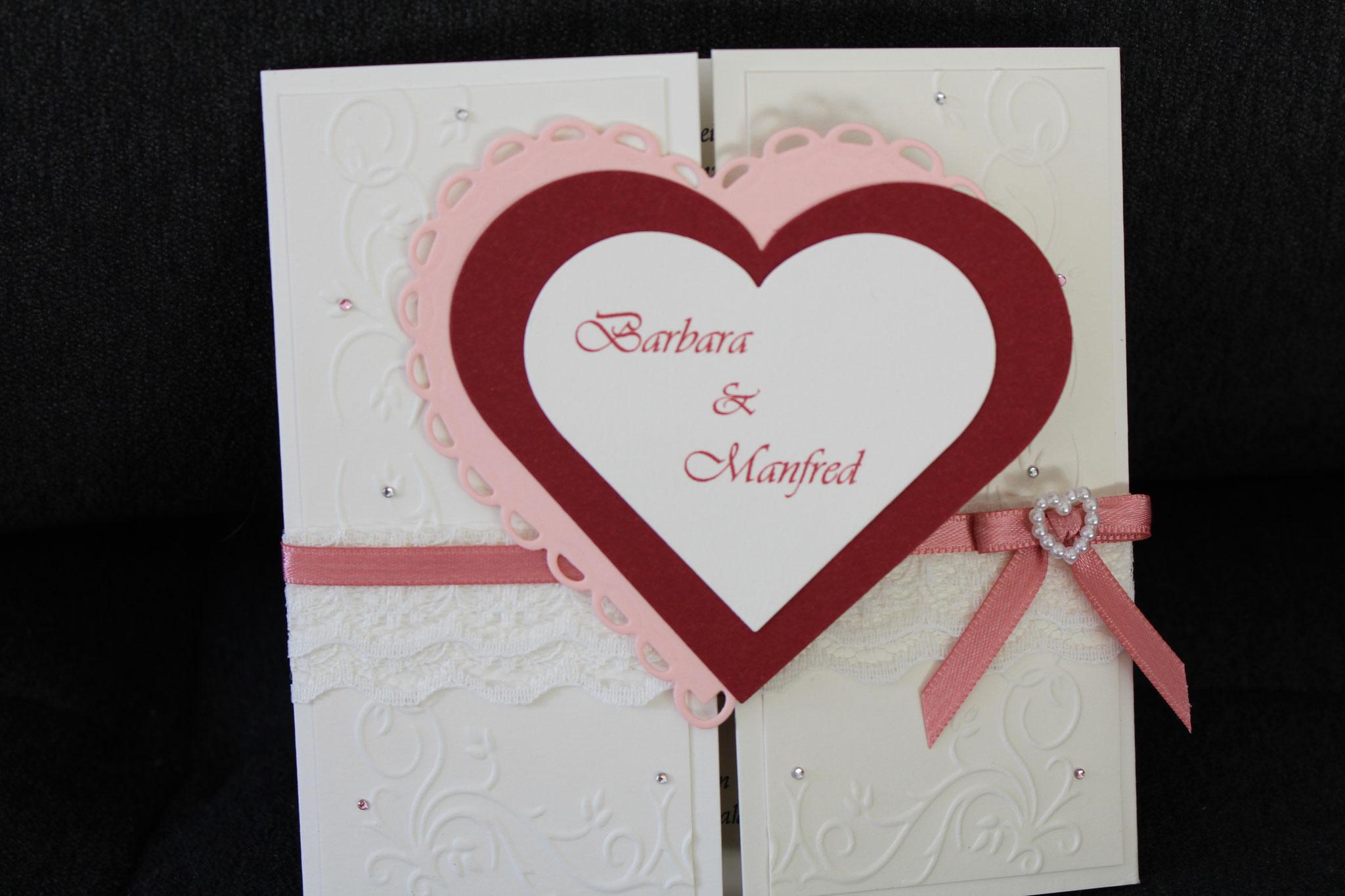 EH92 Mittig zu öffnen. Gerne arbeiten wir auf die Herzinnenseite ein Bild von  Euch ein. Anhänger mit den Namen des Brautpaares.