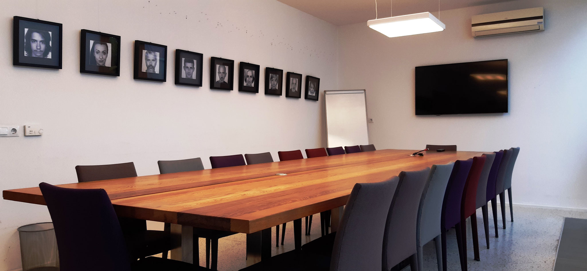 Meeting room for up to 20/25 people