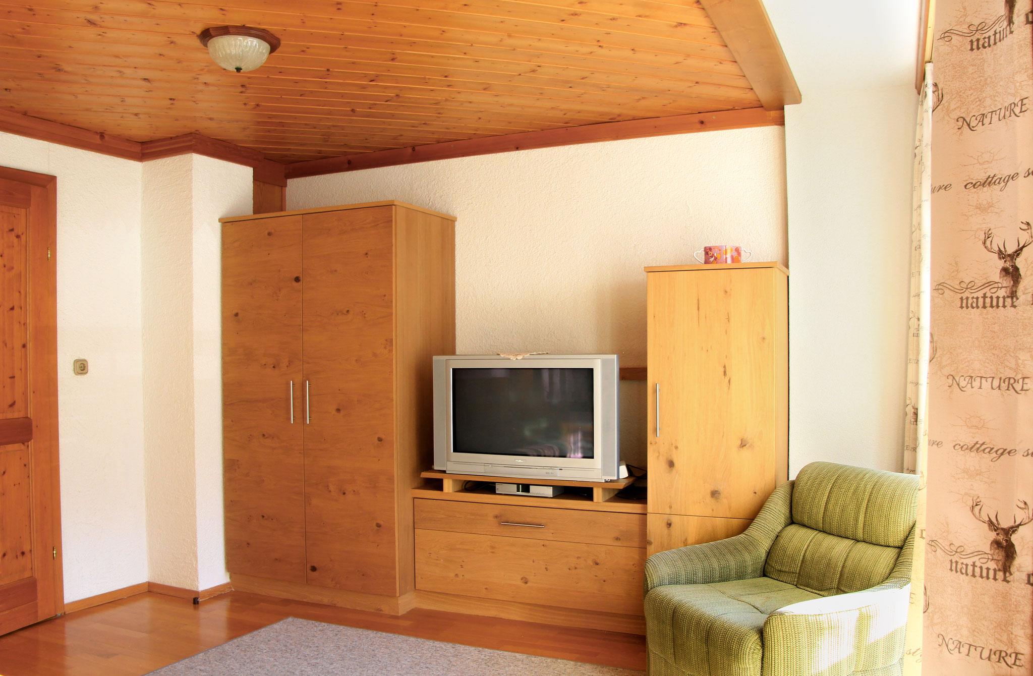 Wohnzimmer Apartment Hornspitz ©Christine Bleisch