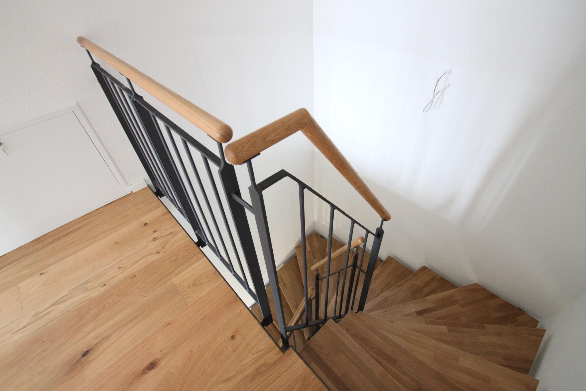 Beispiel Treppe realisiertes Doppelhaus 2018