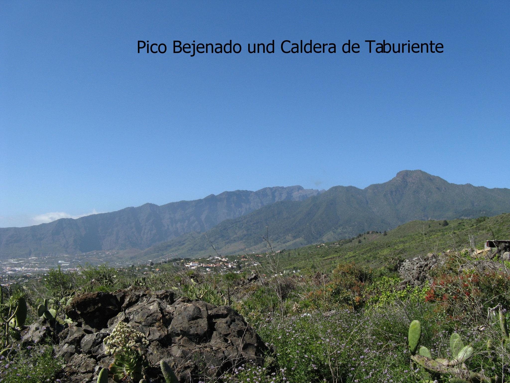 Aussicht vom Ferienhaus La Palma Westseite Pico Bejenado