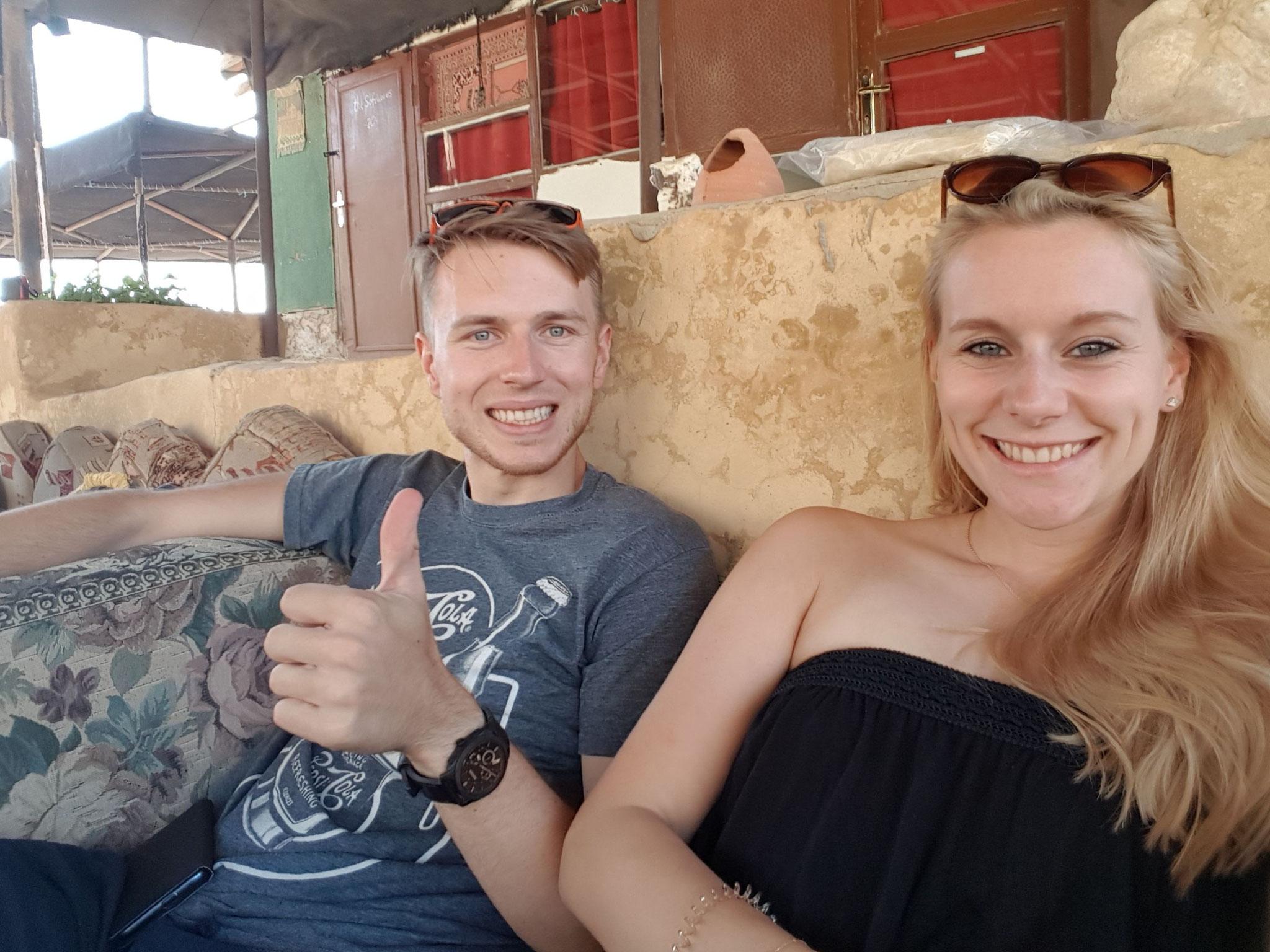 Benjamin und ich bereit zur Wanderung durch Wadi Dana
