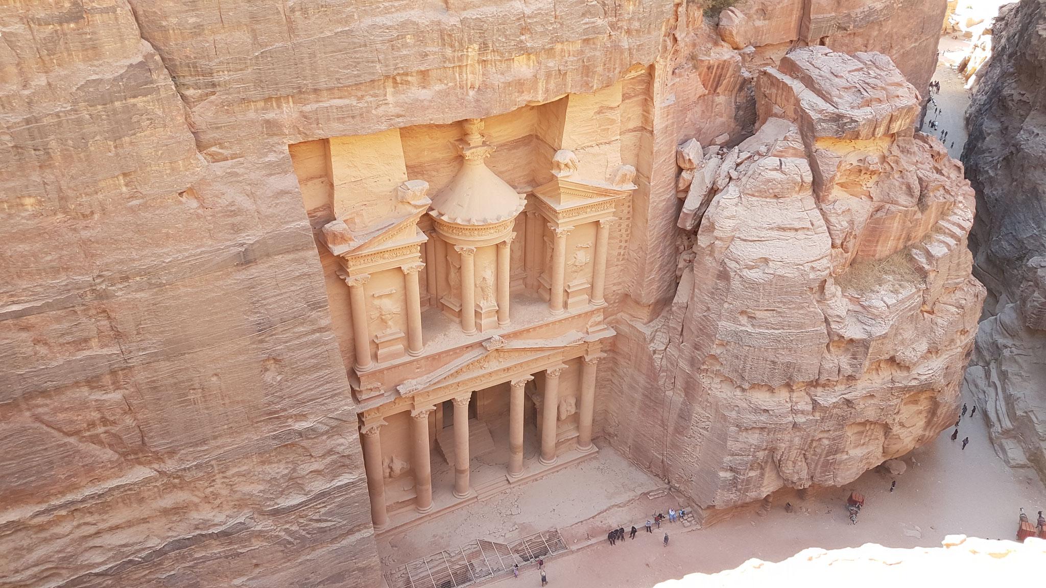 Das Schatzhaus / The Treasury / Khazne al firaun. Belohnender Blick nach erneuter Klettertour.