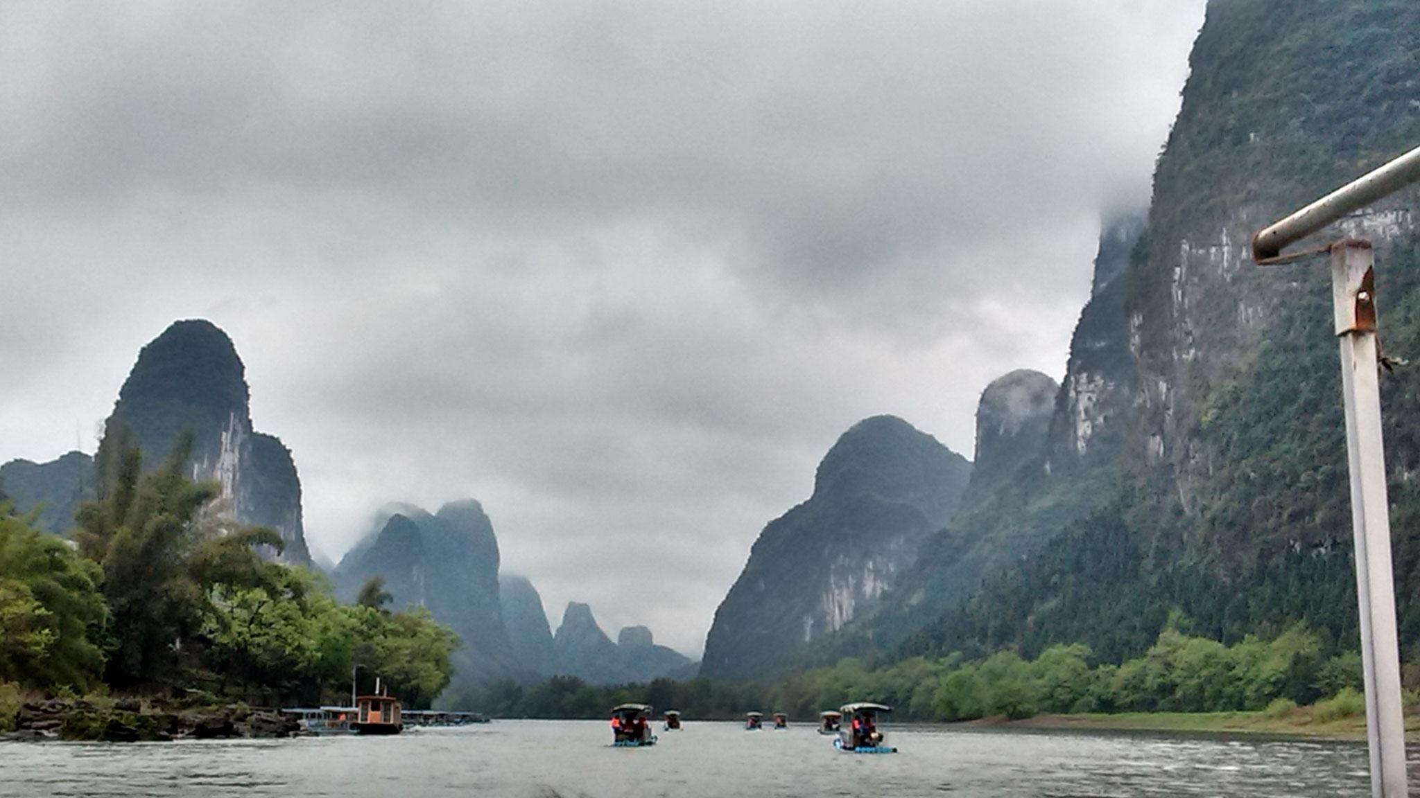 Floßfahrt zwischen Guilin und Yangshuo