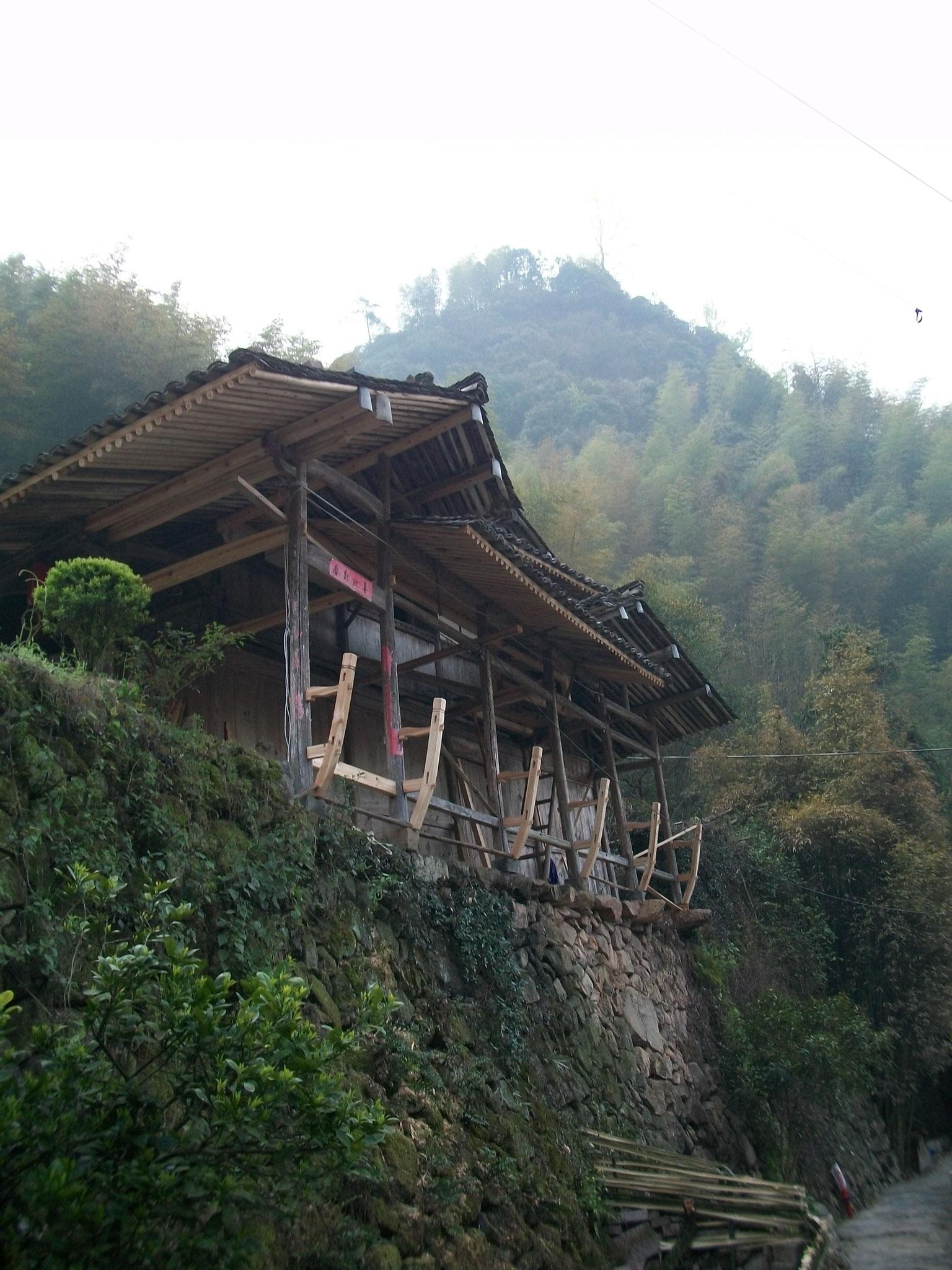 Holzbau im Dorf