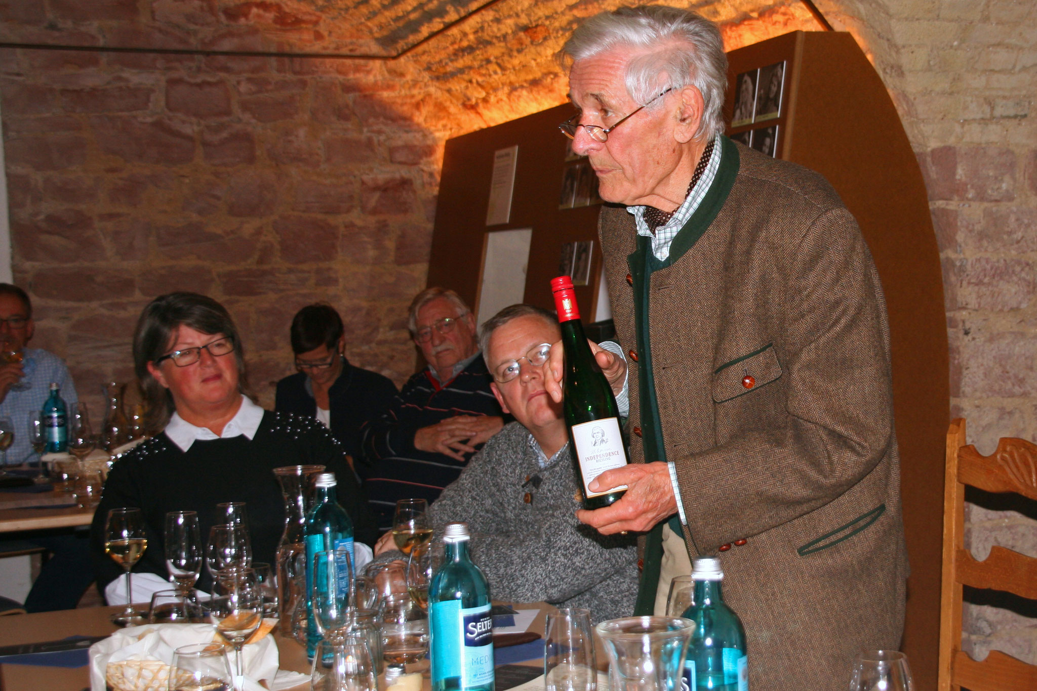 "Winemaker Dr. Franz Werner Michel praised the ""global wine family""."