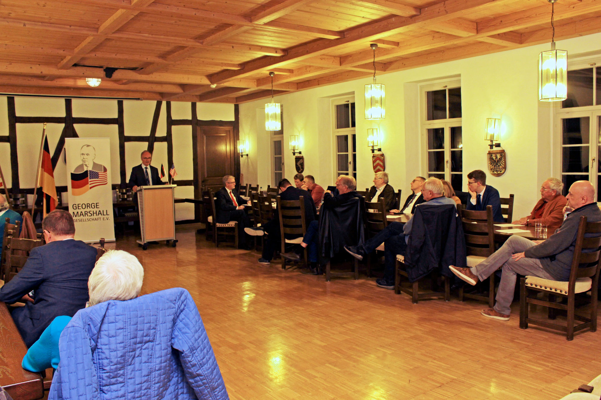 The event in the Alter Posthof in Hattersheim was hosted by the George Marshall Society