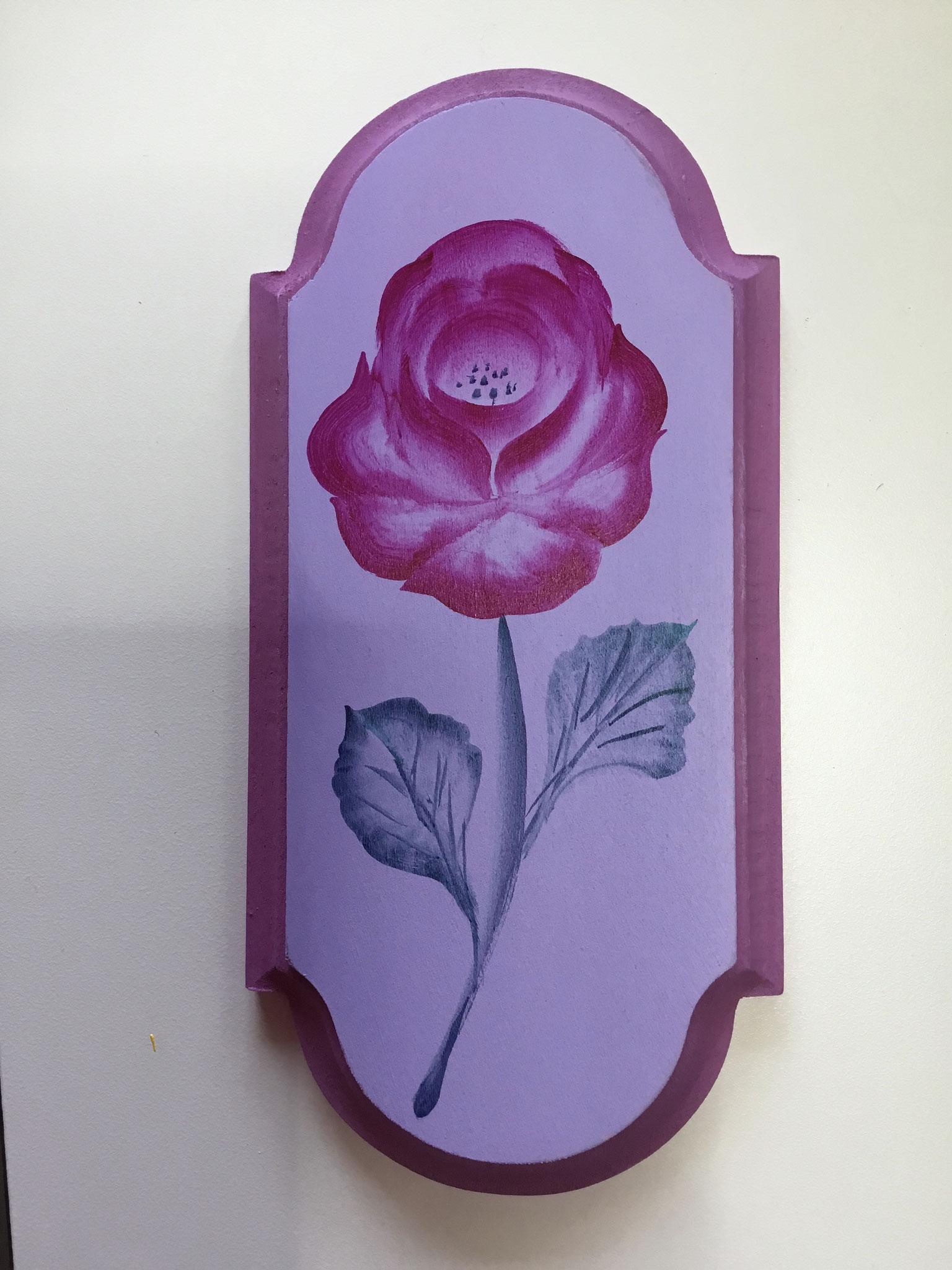 サイドロードの薔薇
