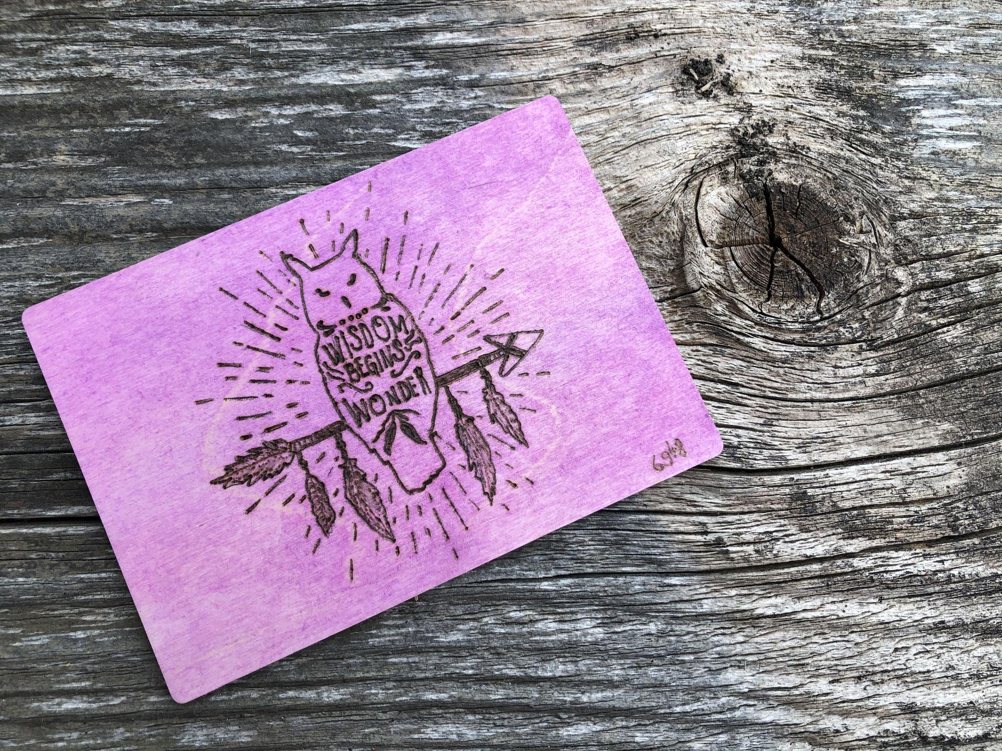 Karte aus Holz mit Brennstab