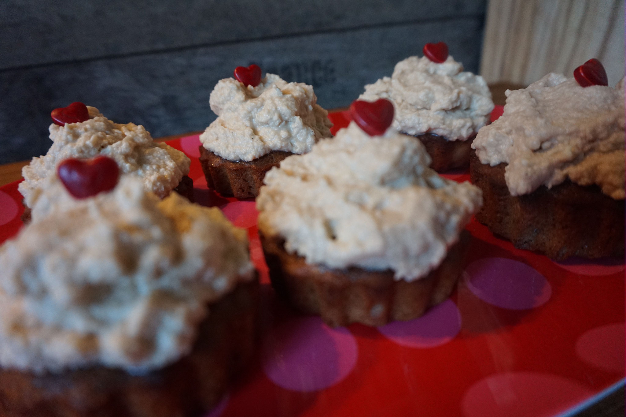 Erdnussbutter-Schoko Cupcakes mit Frosting  | peanut muffins