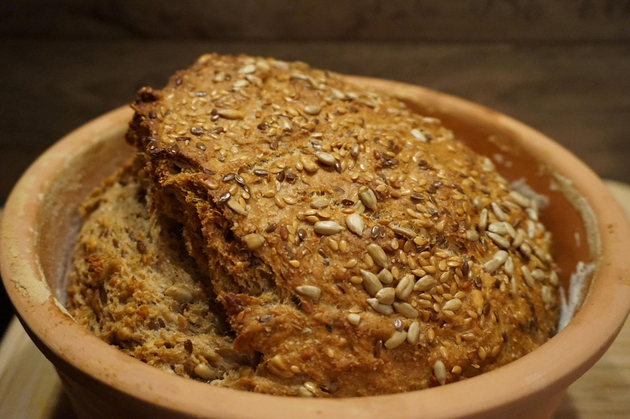 ZIEL! Knuspriges Saatenbrot aus Sauerteig und Roggenmehl