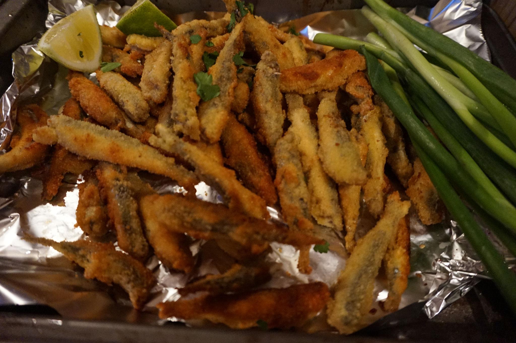Frittierte Sardellen Hamsi - tuerkisches Pfannengericht