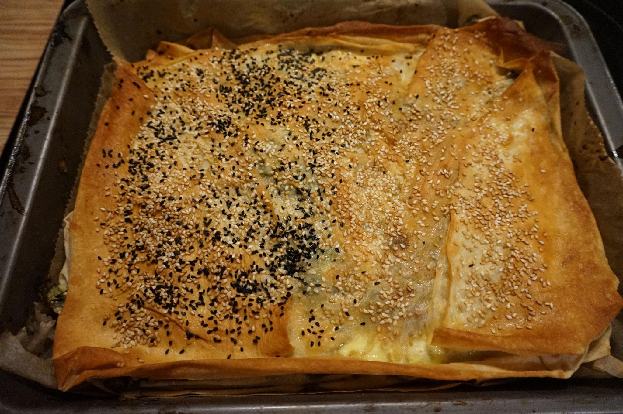 Rezept - Boerek im Blech - Tepsi Boeregi - mit 2 Fuellungen