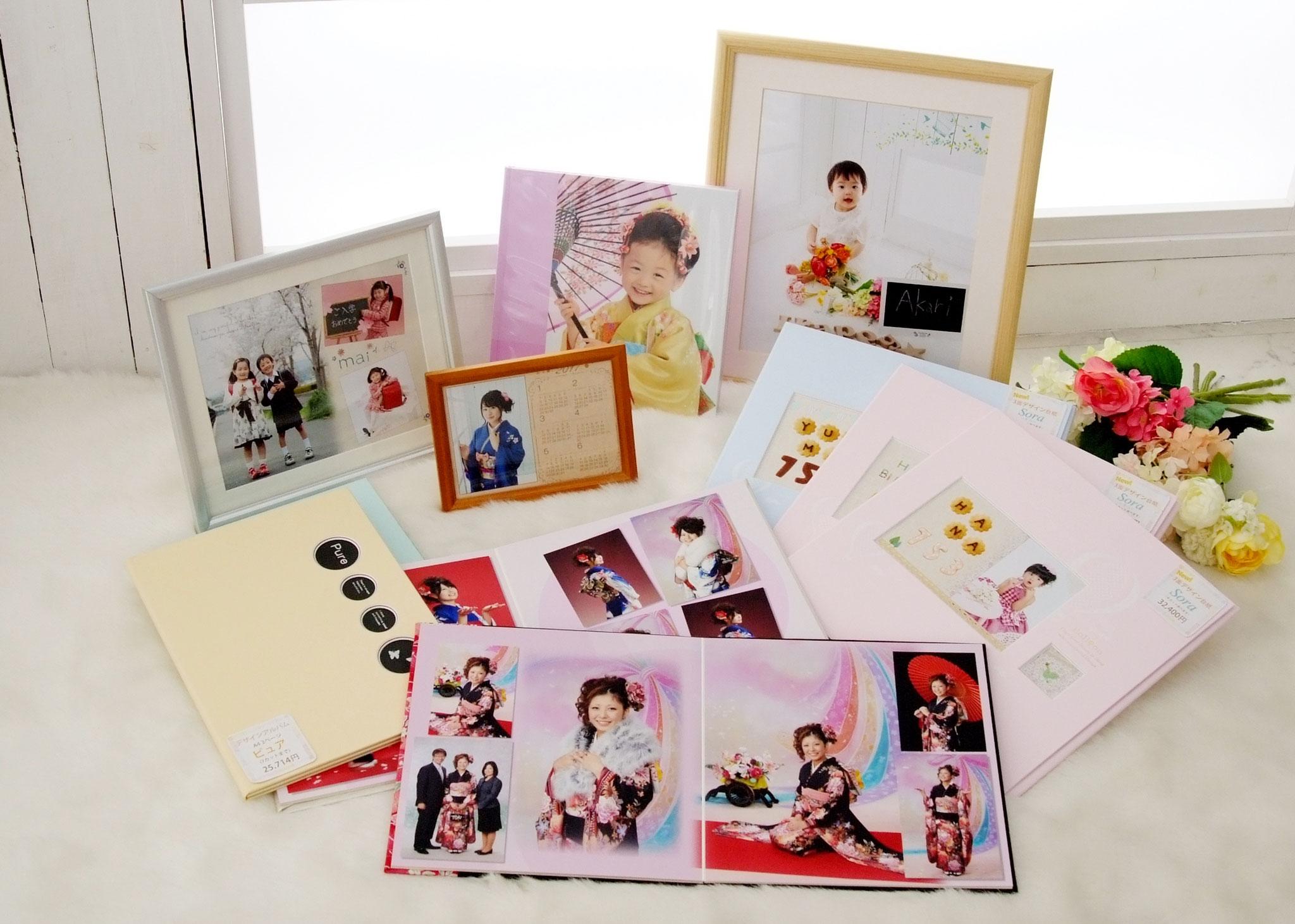 お写真は、デザインアルバムや額入りお写真、カレンダーなどお客様のご要望に応じて形にしていきます