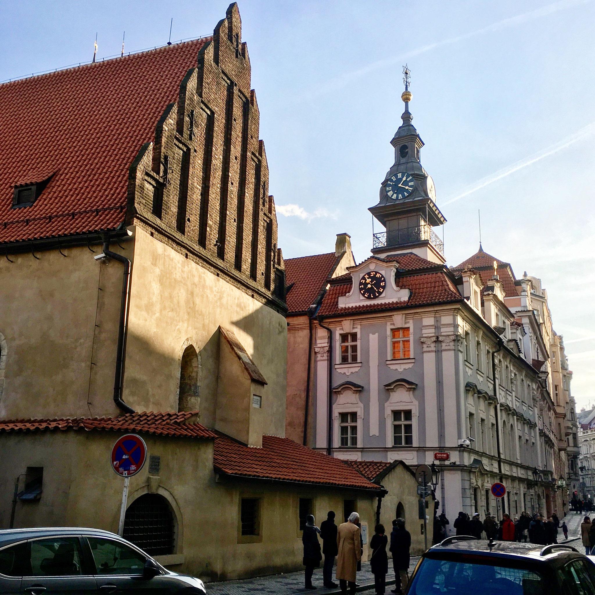 Altneu Synagoge mit altem Rathaus