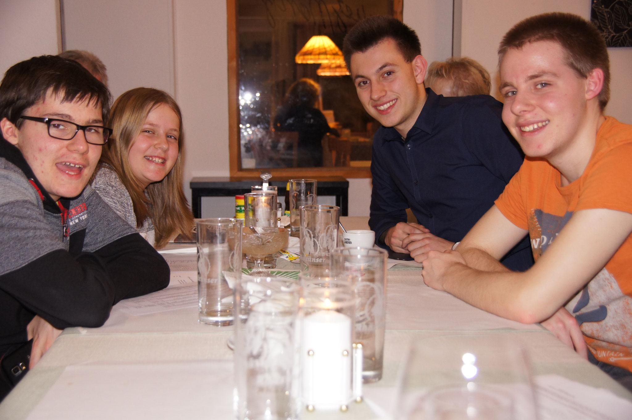 Unsere 4 jüngsten Mitglieder: (v.l.) Kian, Vivien, Kerim, Colin
