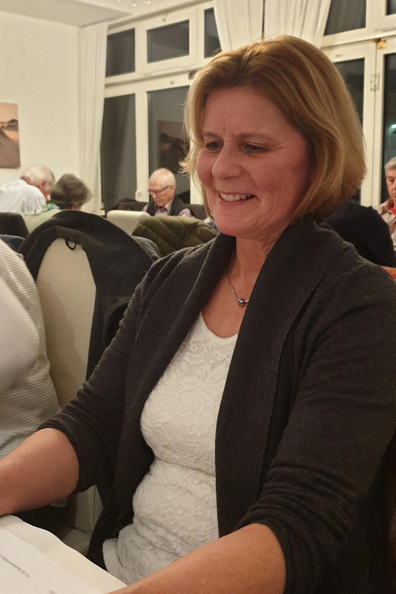 Eveline Keller verliest ihren letzten MuKo-Berich