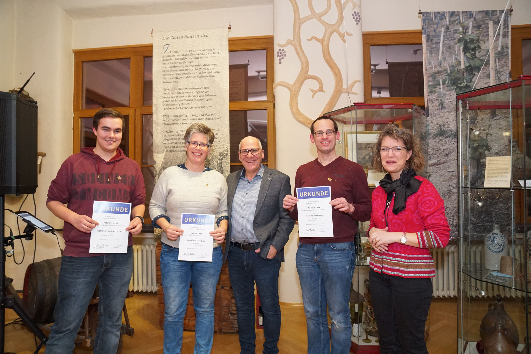 Peter Portugall, Yvonne Knipp und Andreas klein wurden für Ihre langjährigen musikalischen Aktivitäten ausgezeichnet.