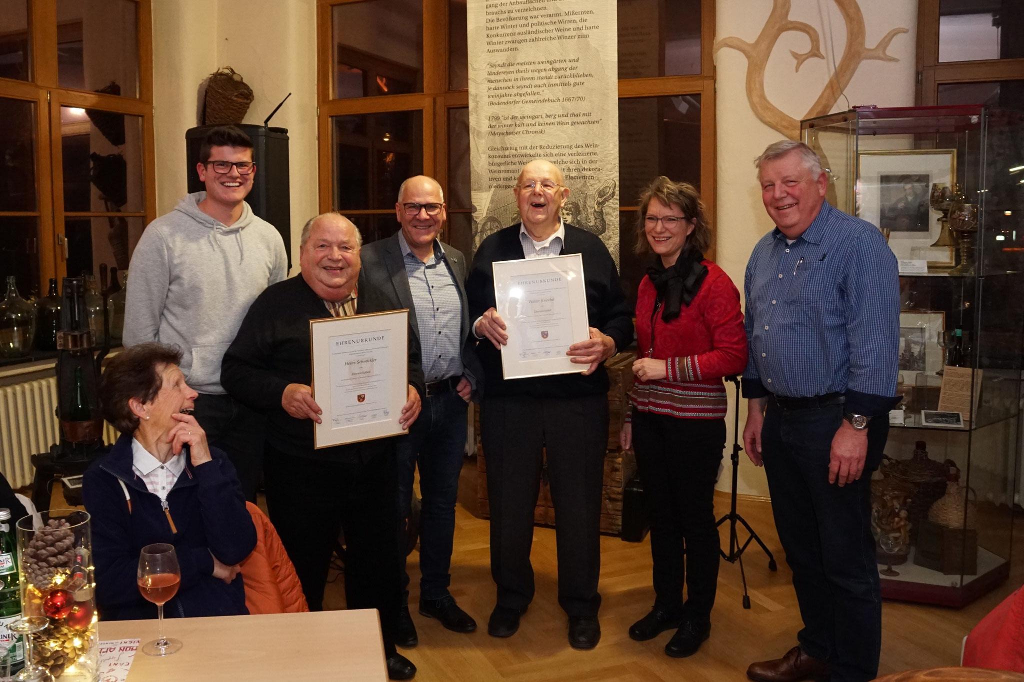 Heinz Schmickler und Walter Kriechel wurden vom Vorstand der Musikvereinigung zu Ehrenmirgliedern ernannt.