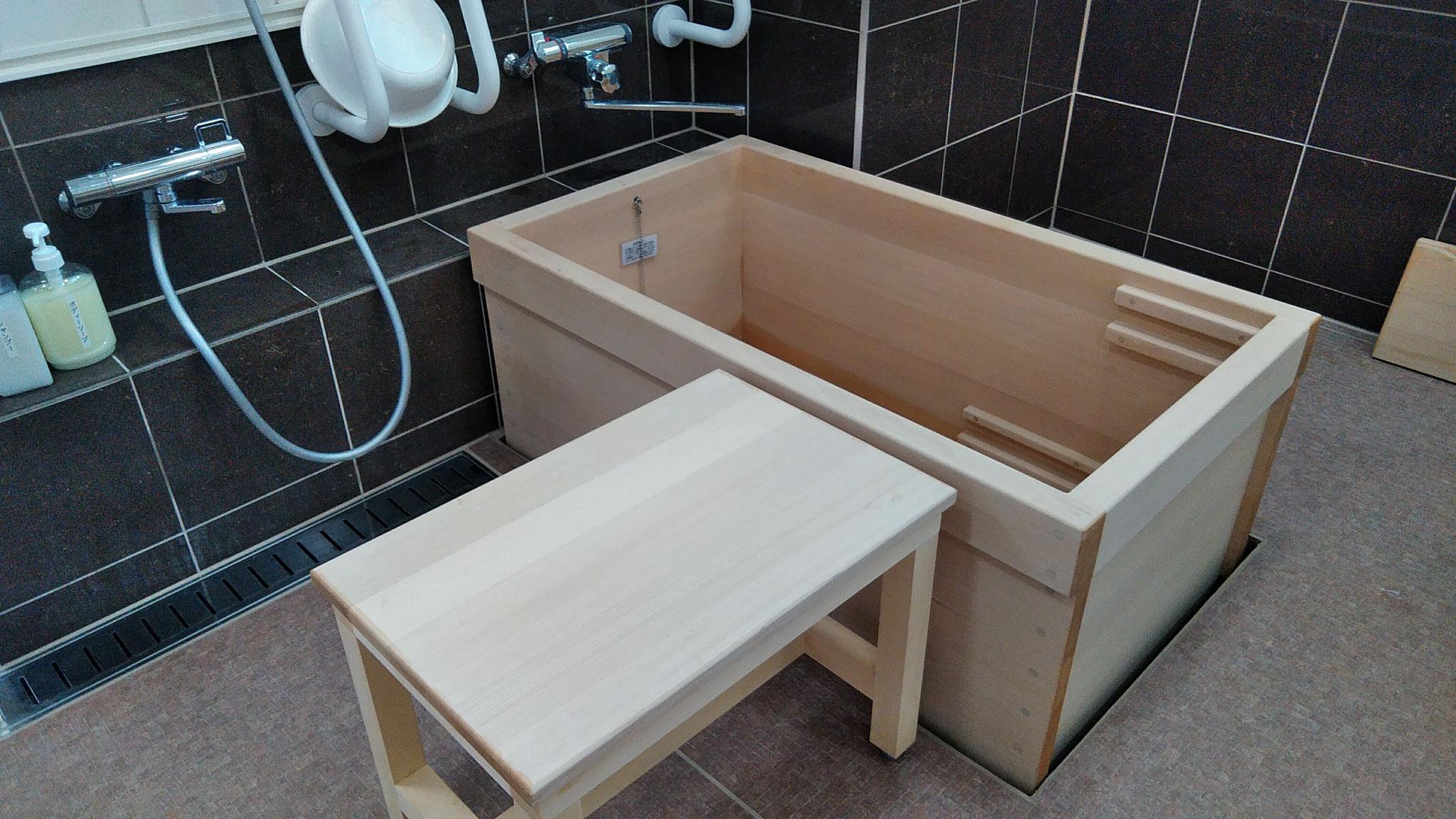 ヒノキのお風呂は気持ちよいですよ!