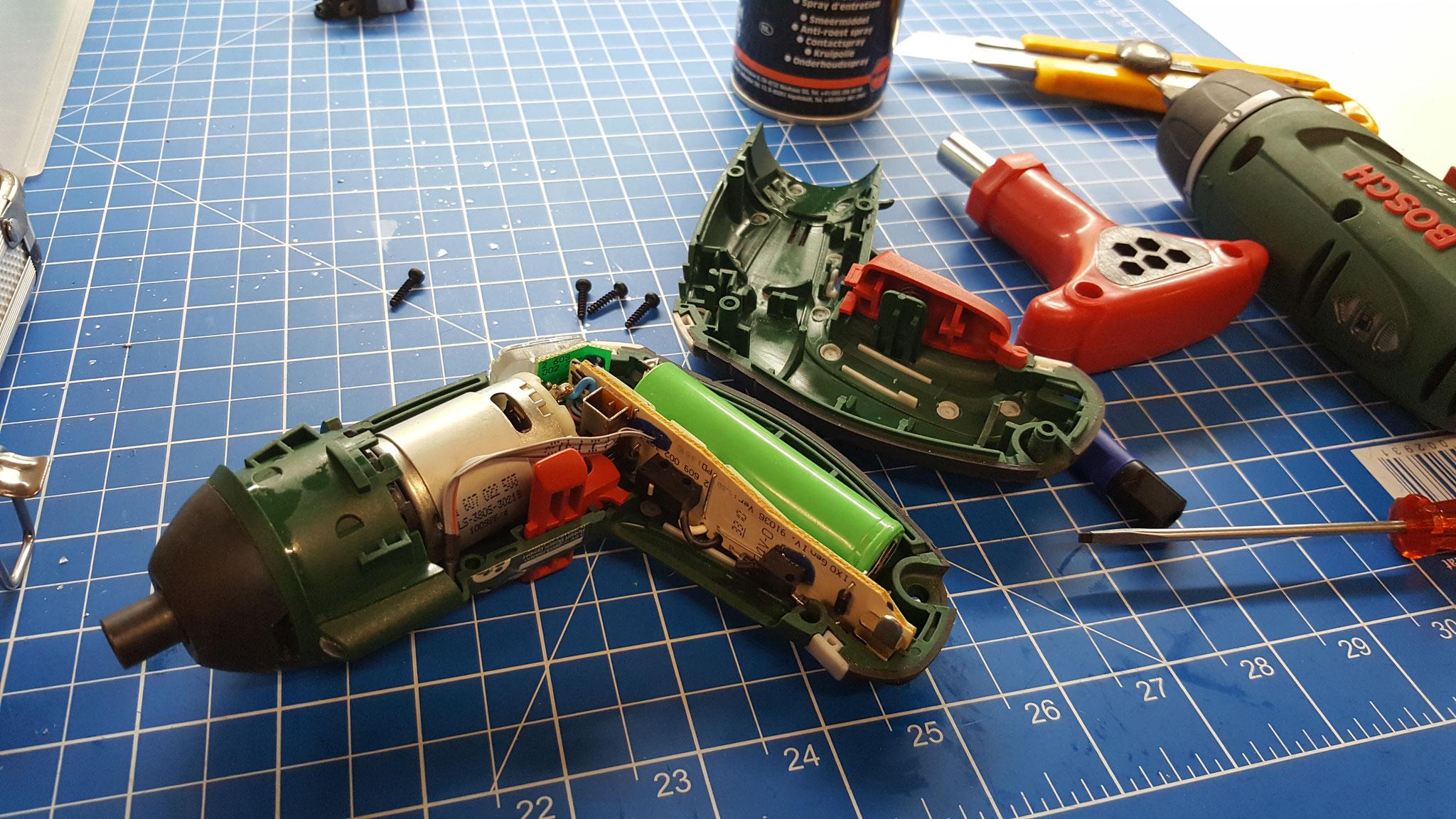Akkubohrmaschine reparieren