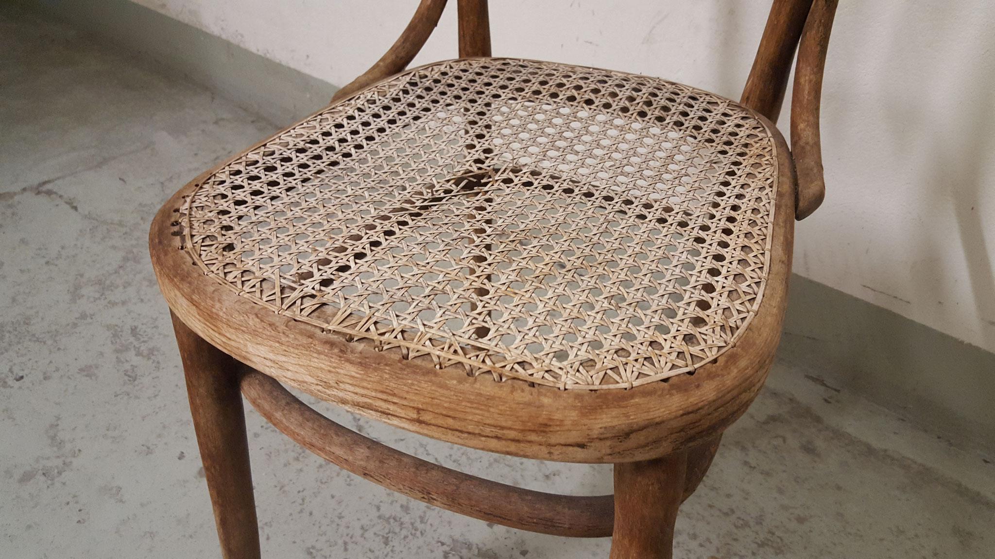 Bugholzstuhl sehr gebraucht, restaurieren