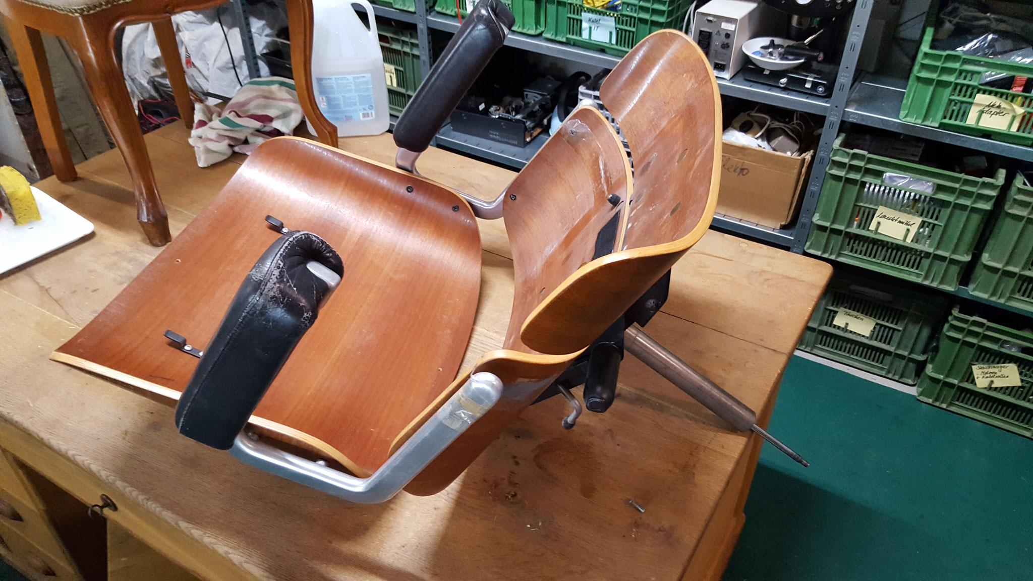 Holzstuhl restauriert
