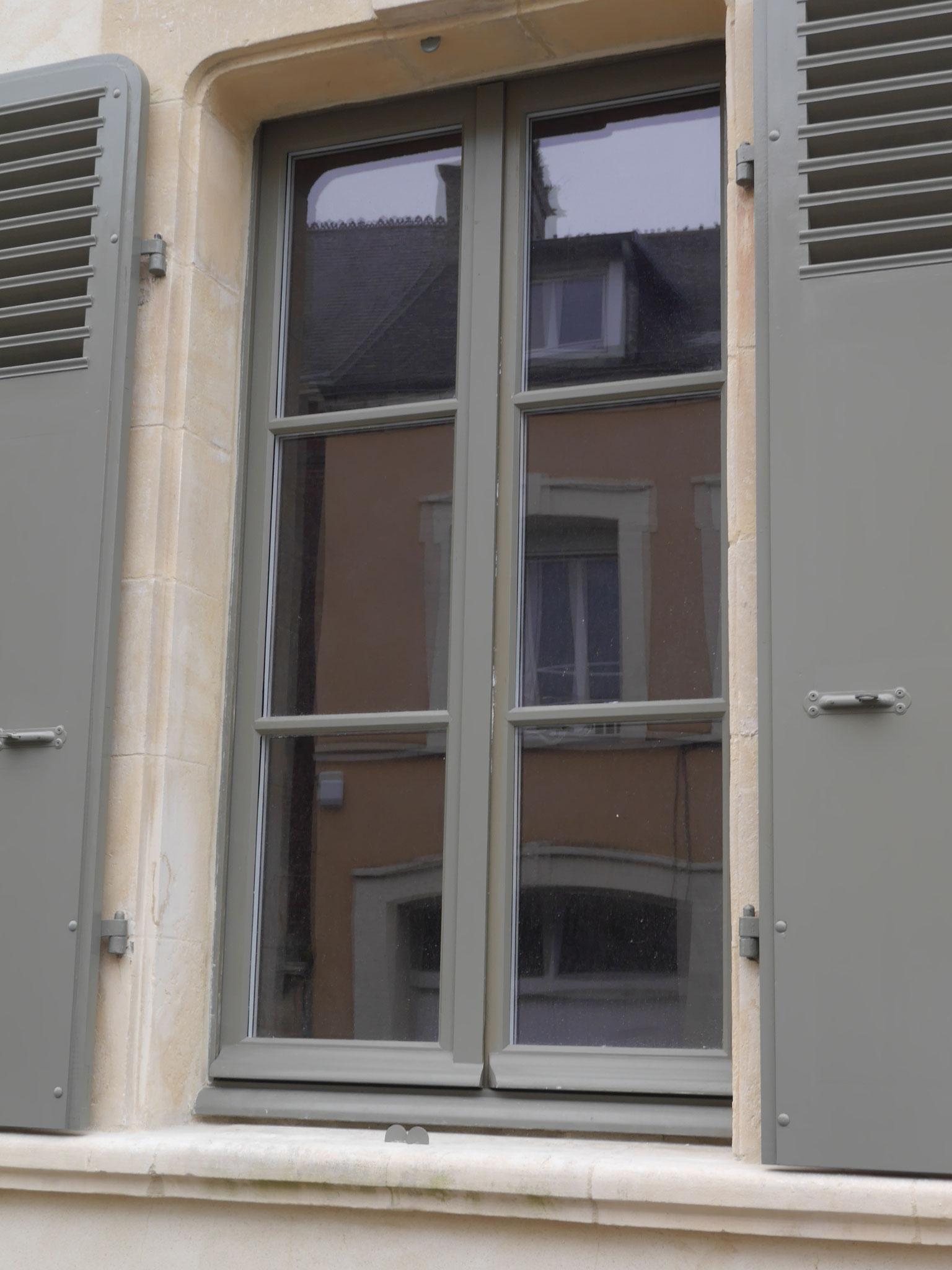 Fabrication de fenêtres en chêne - CHERBOURG