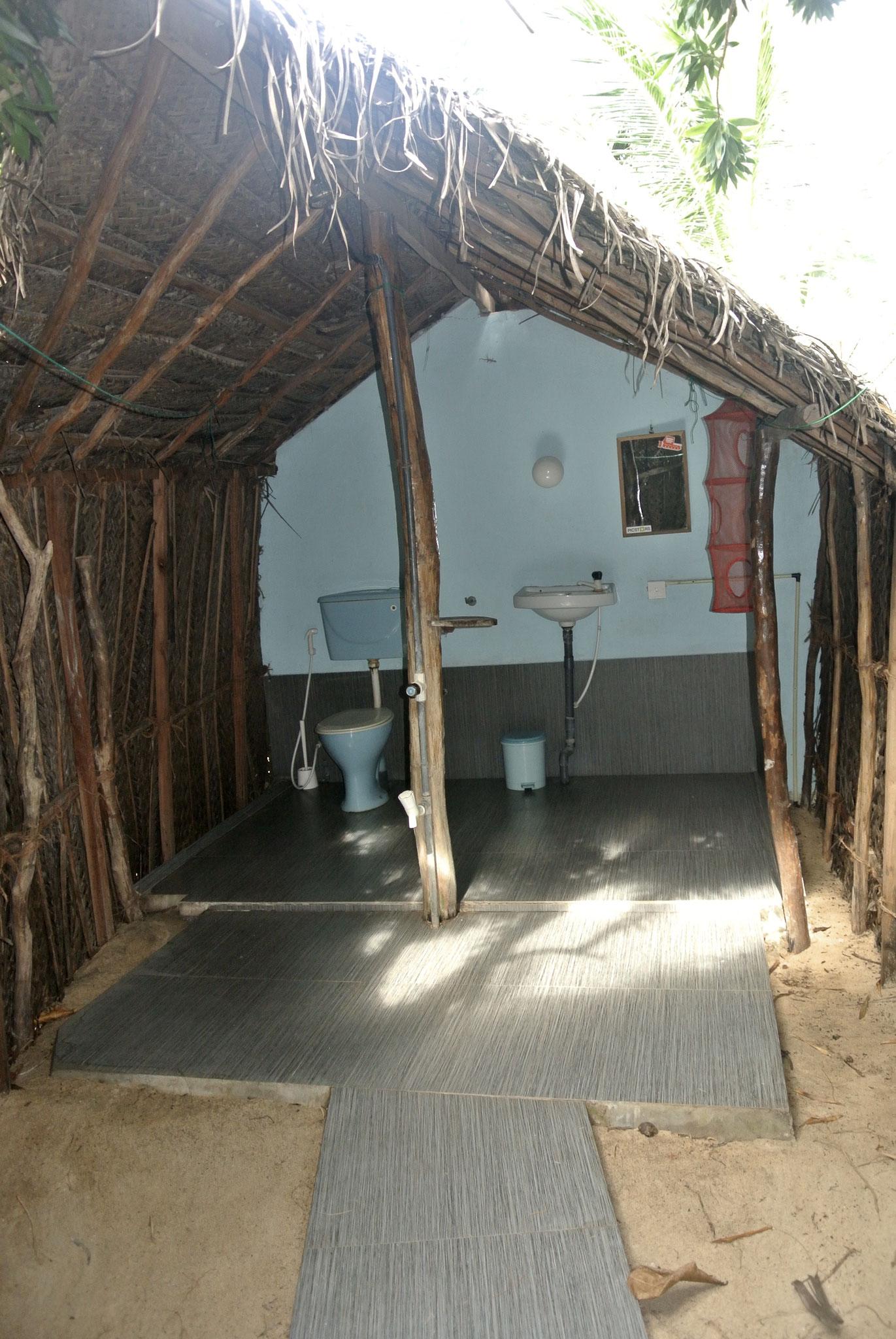 The Noa Cabana / Open Air Bathroom
